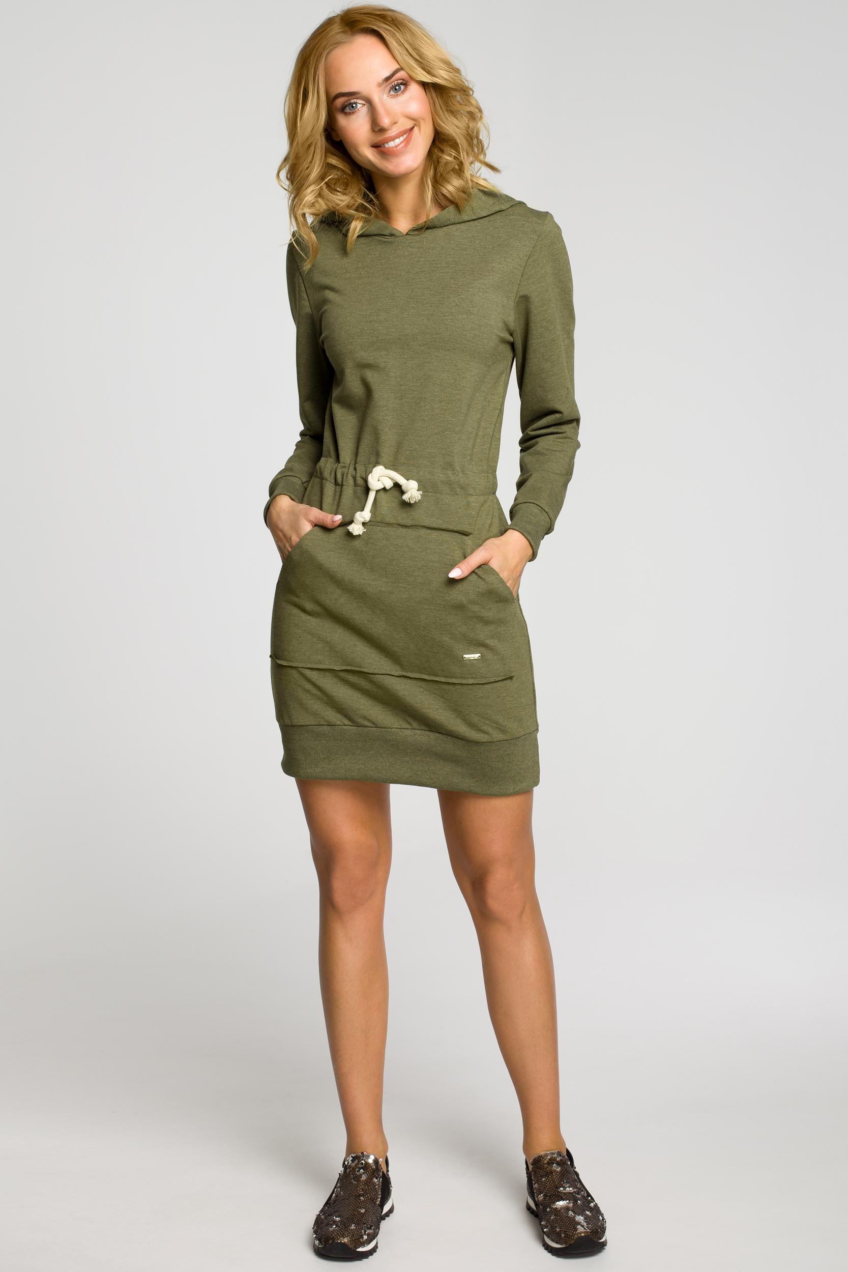 CM0985 Dresowa sukienka kangurka z kapturem - khaki