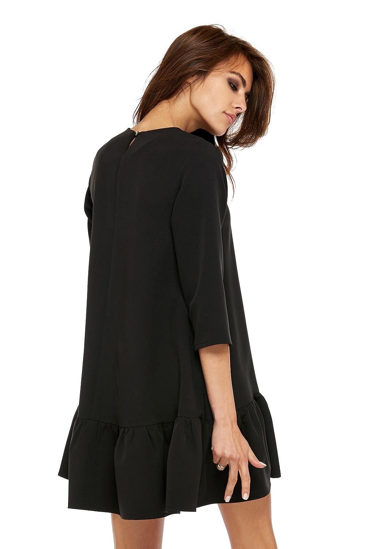 CM3512 Szykowna sukienka z rękawem 3/4 i falbanką - czarna