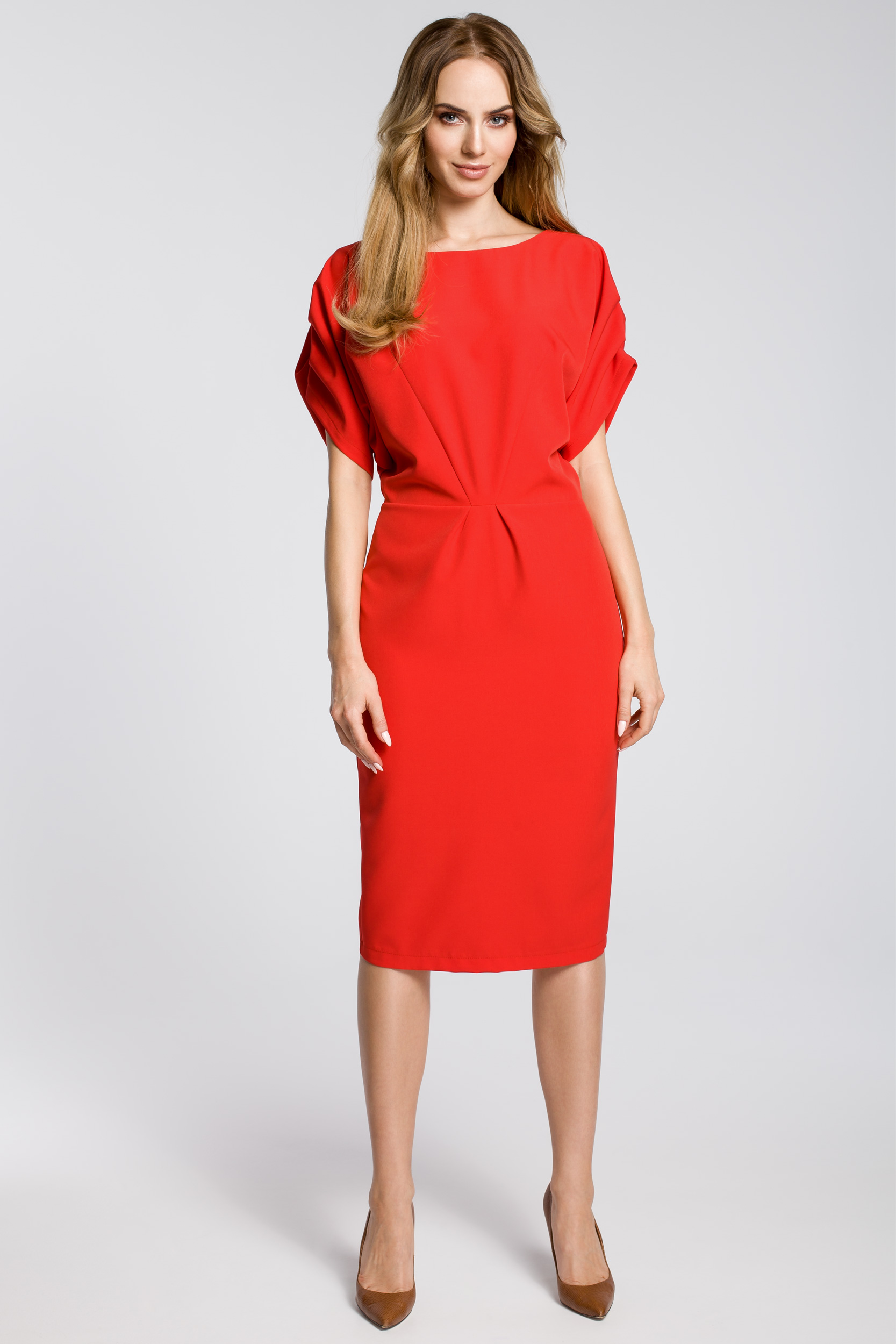 f1c1088f45 CM3592 Ołówkowa sukienka midi z rękawami kimono - czerwona ...