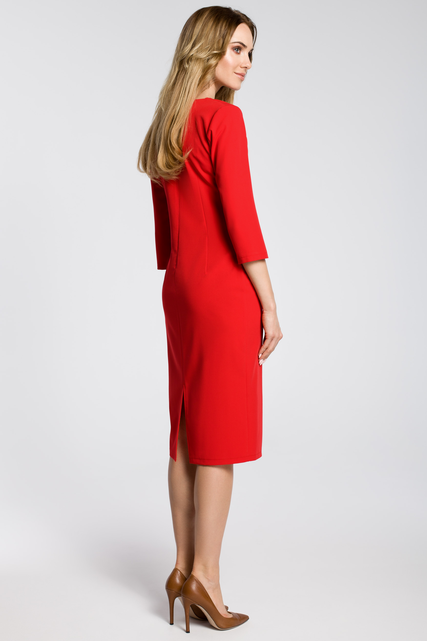 CM3594 Ołówkowa sukienka z przeszyciem rękaw 3/4 - czerwona