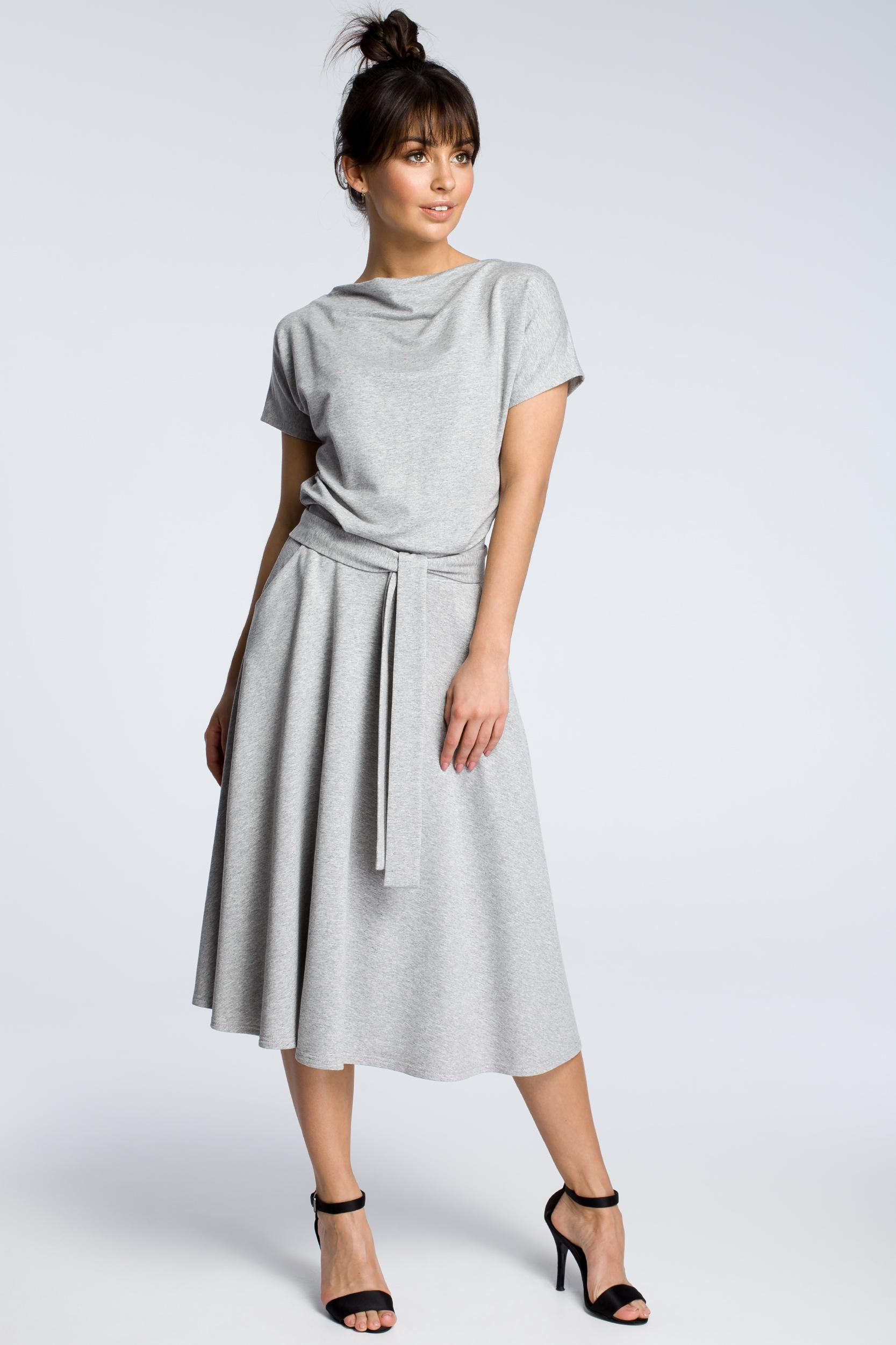 0ca29951cc CM3604 Sukienka midi z rozkloszowanym dołem - szara ...