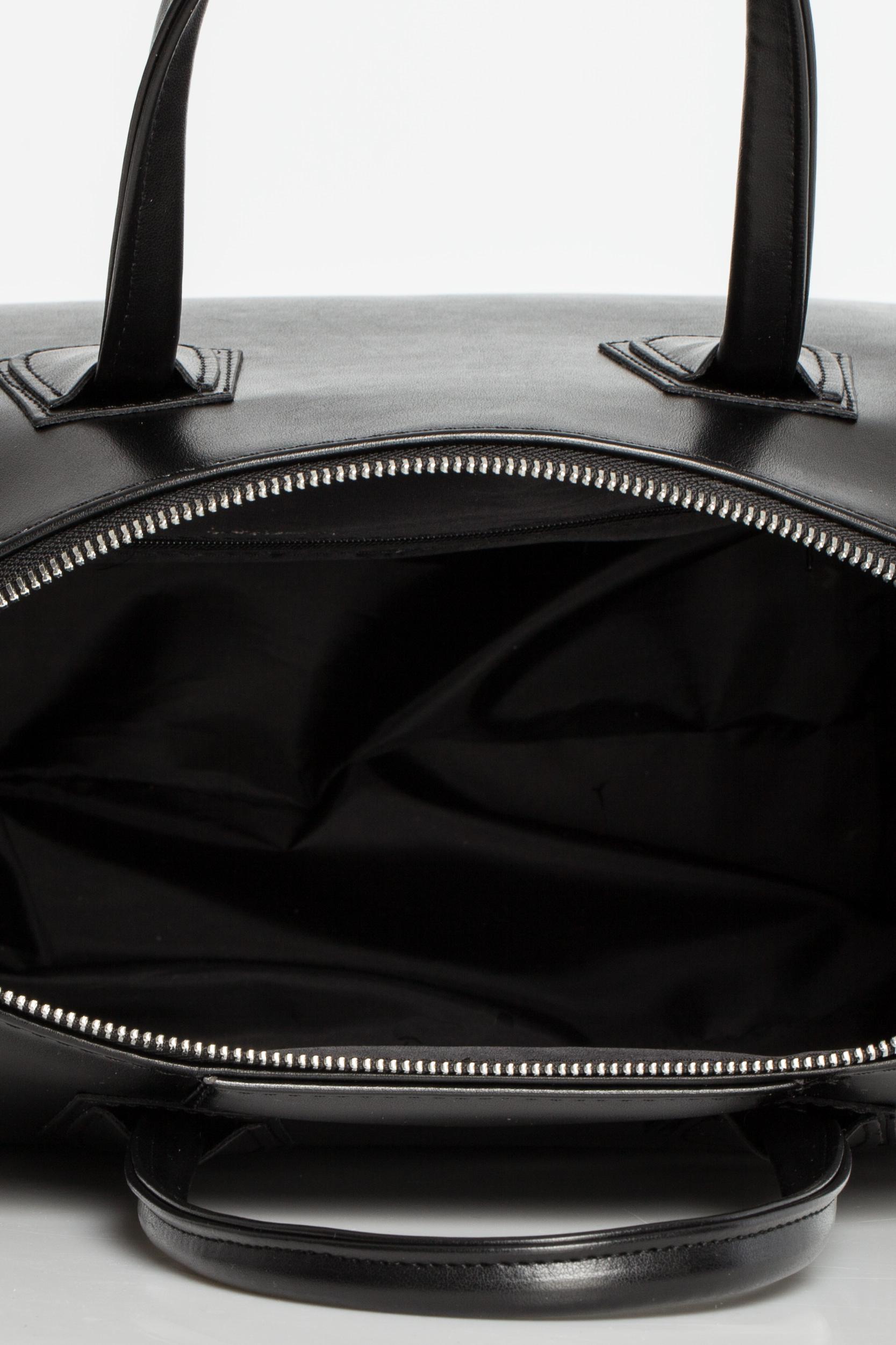 CM3569 Torebka typu kuferek do ręki - czarna