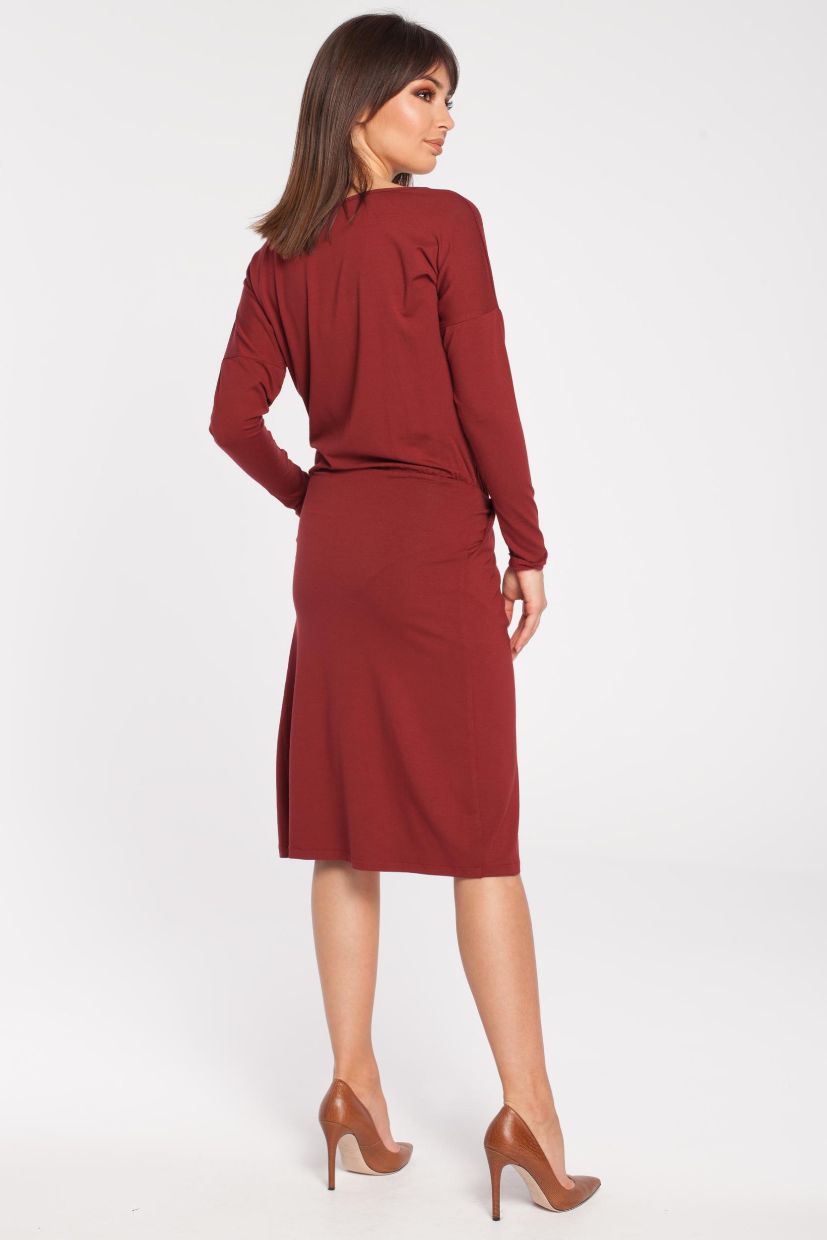 CM2782 Sukienka z oryginalną zakładką na przodzie - bordowa
