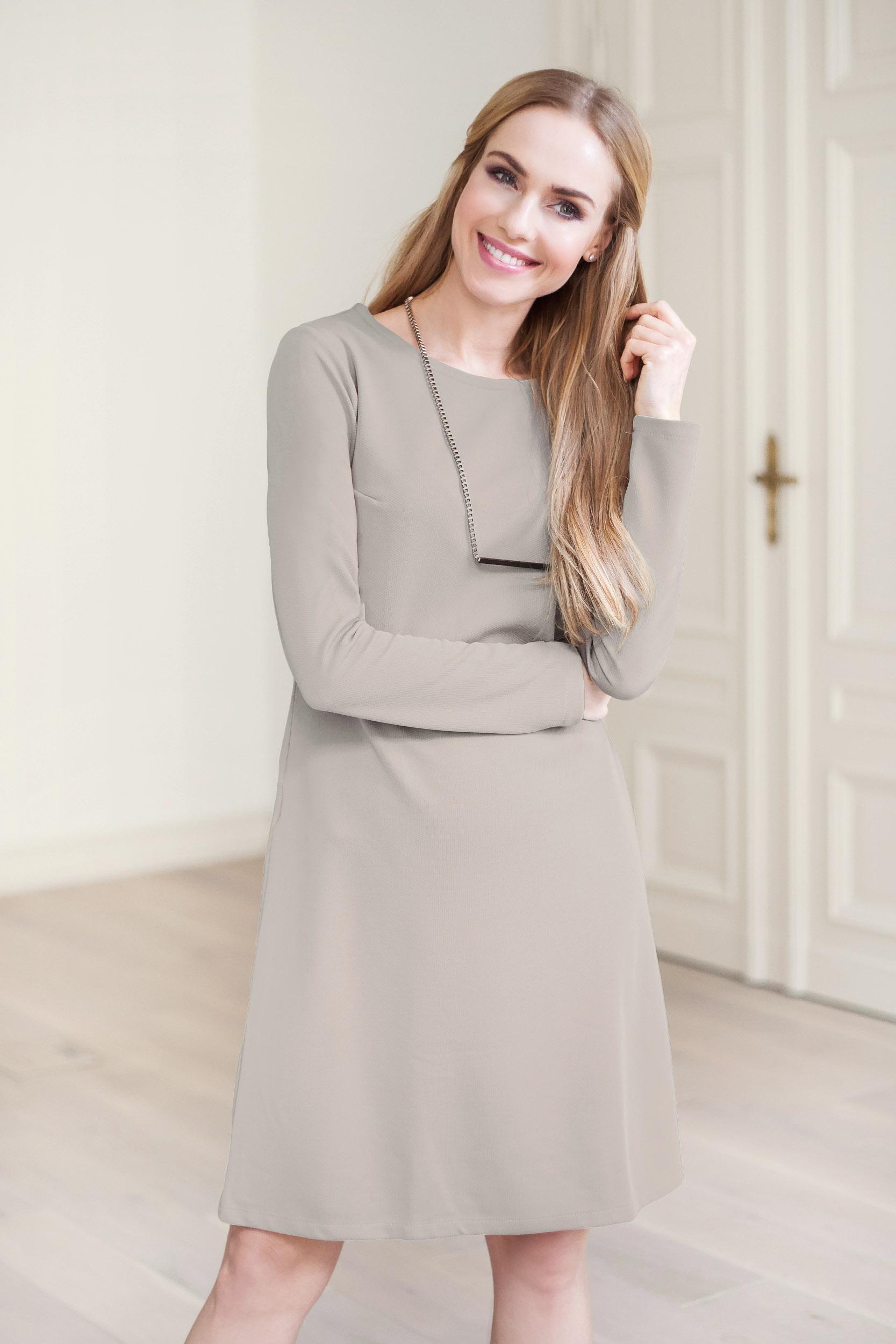 Ogromny Klasyczna sukienka z długim rękawem - szara - Cudmoda FX27