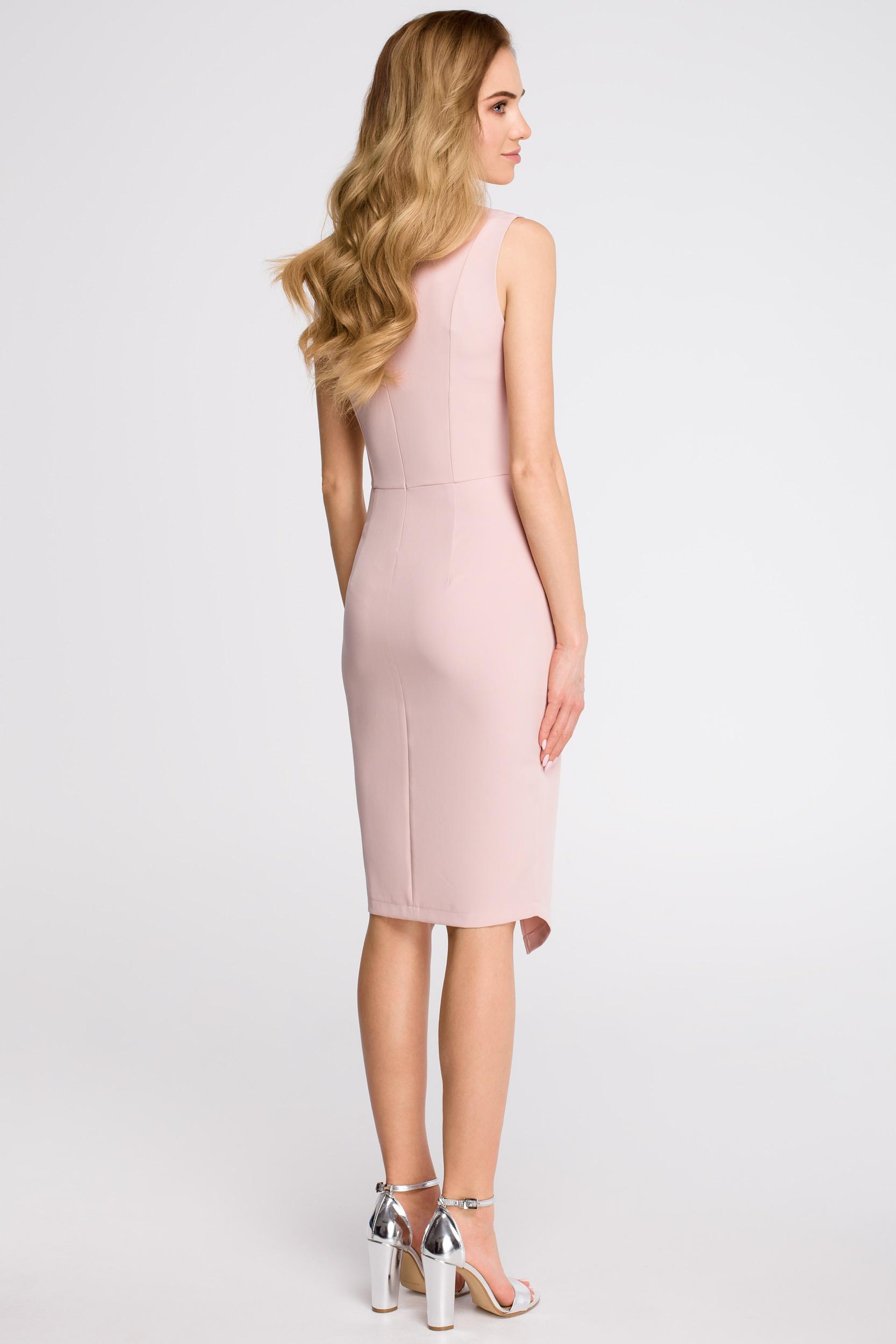 CM3621 Sukienka z asymetrycznym rozcięciem z przodu - pudrowa