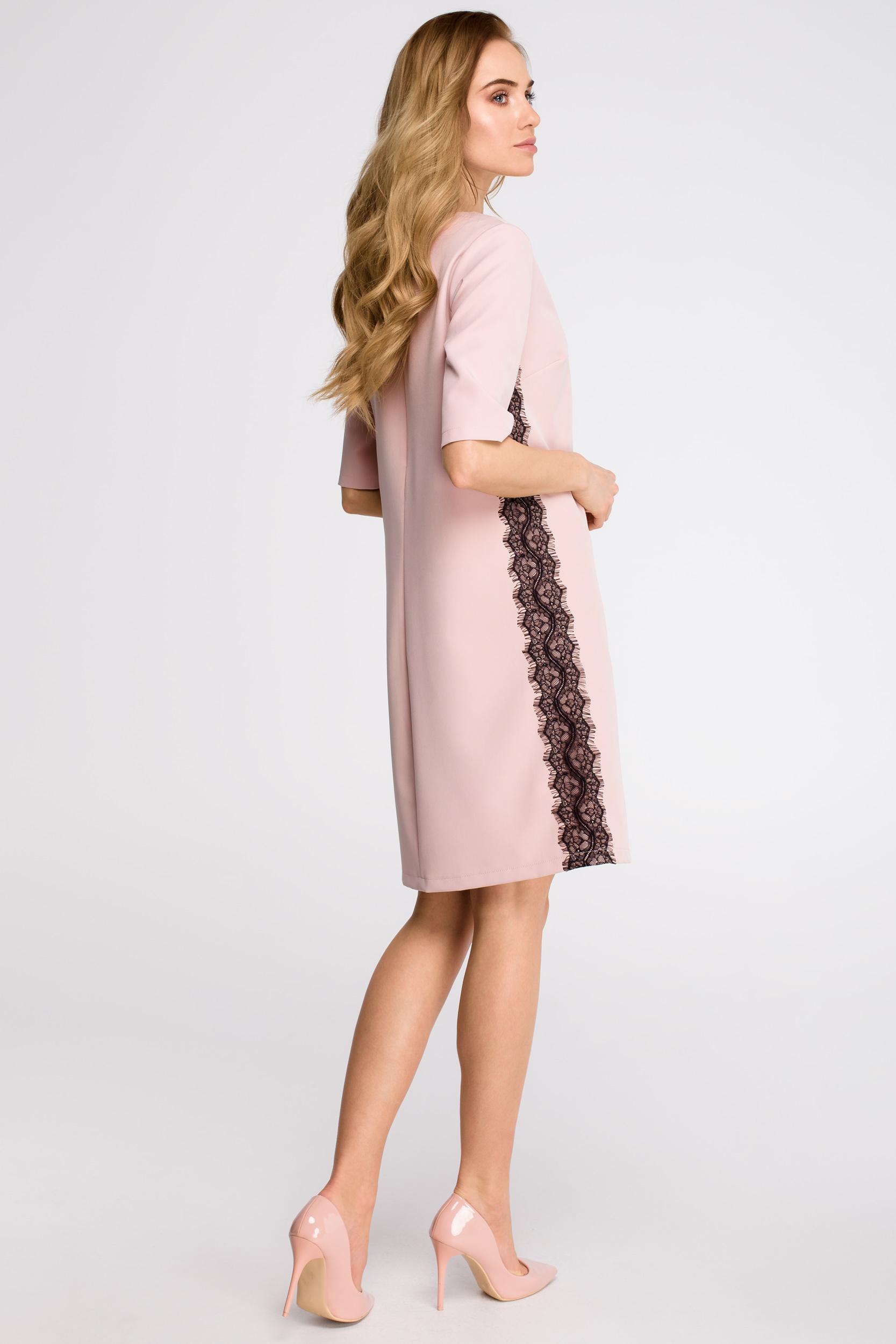 CM3623 Sukienka z lampasem z koronki - pudrowa