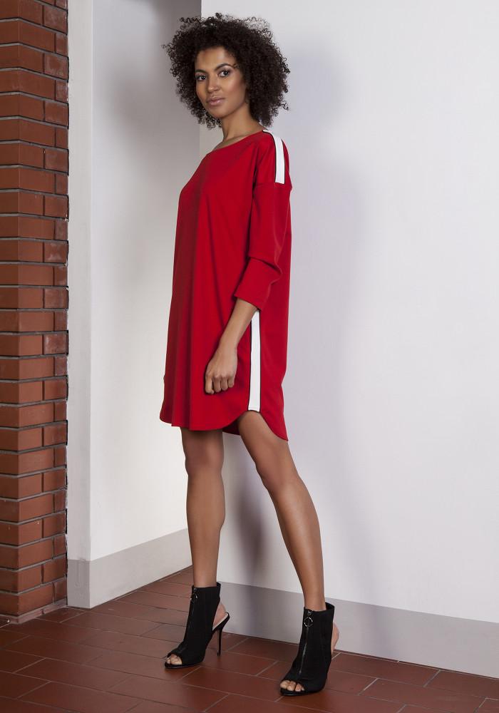 CM3653 Sportowa sukienka mini z lampasami - czerwona