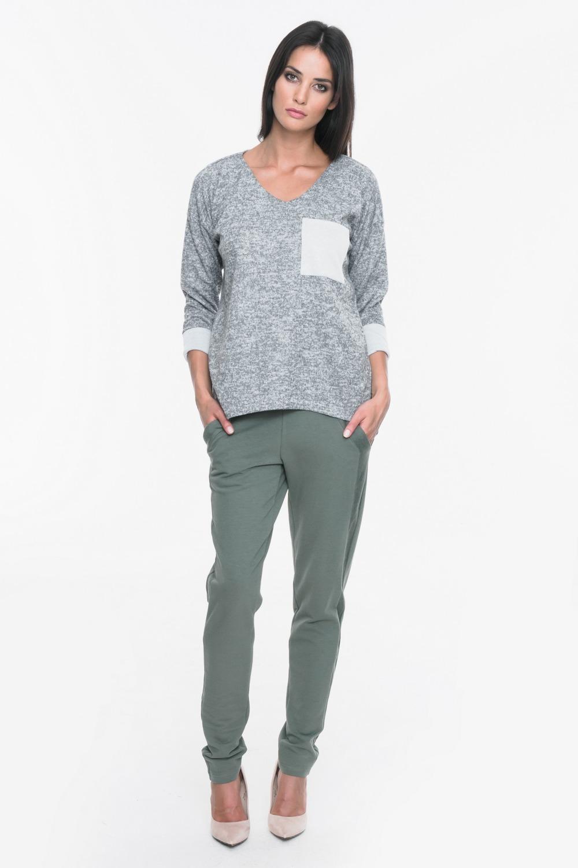 CM3709 Bluza swetrowa z ozdobną kieszenią - szara