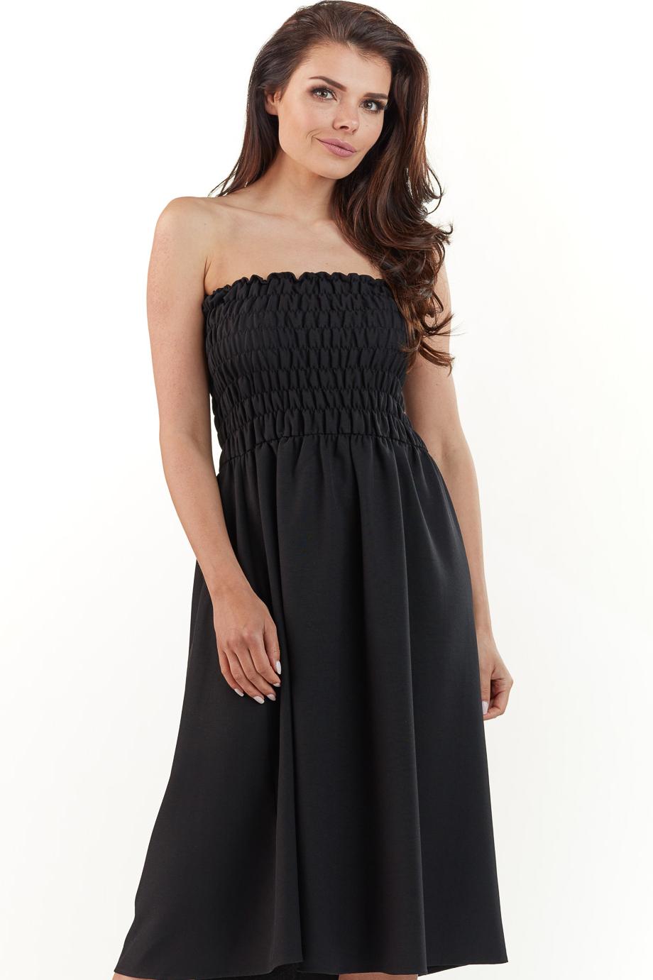 CM3767 Rozkloszowana sukienka z marszczeniami - czarna