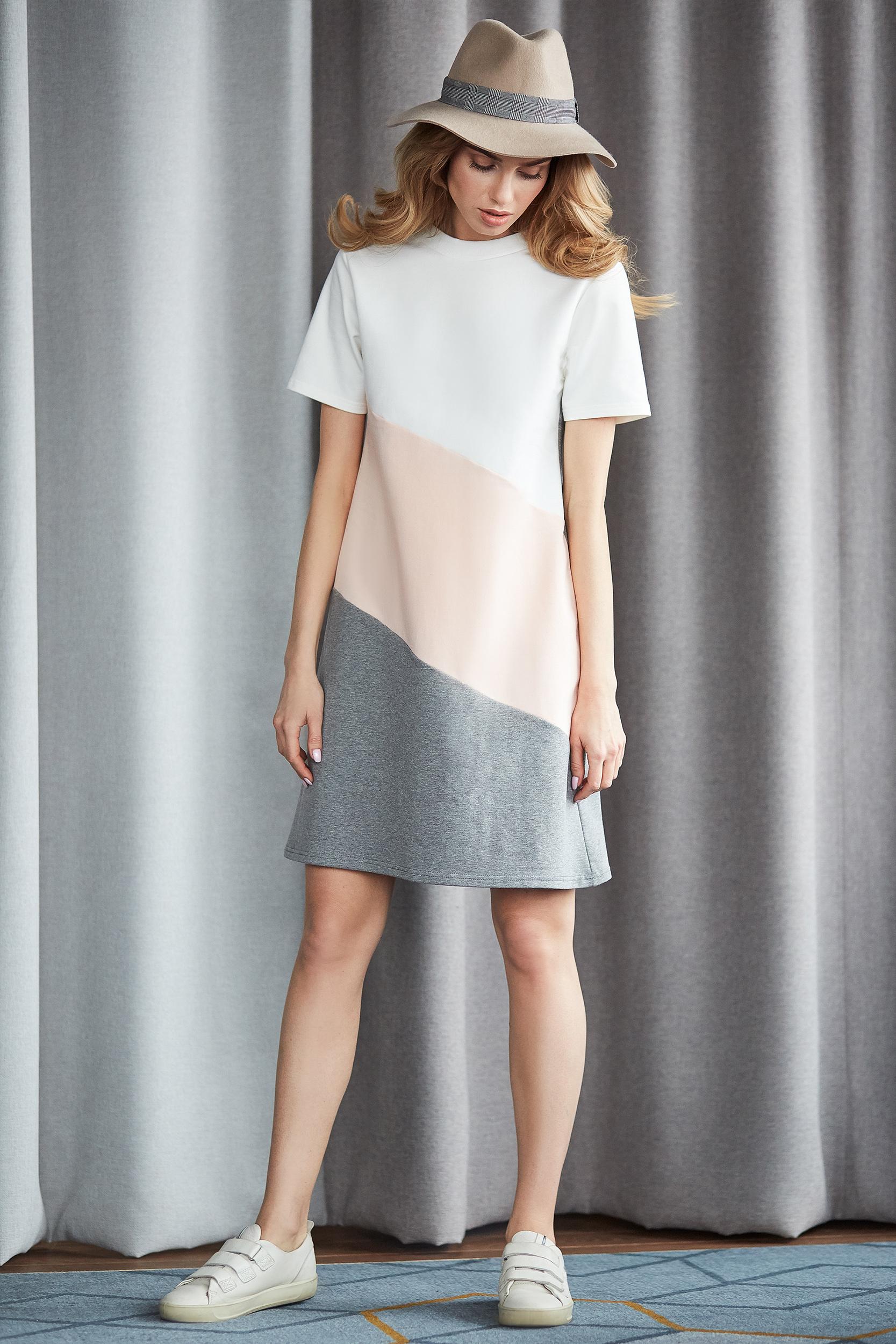 CM3633 Sukienka mini w 3 kolory - brzoskwiniowa