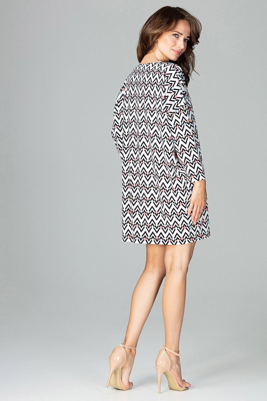CM3786 Modna sukienka w geometryczny wzór - wzór 97