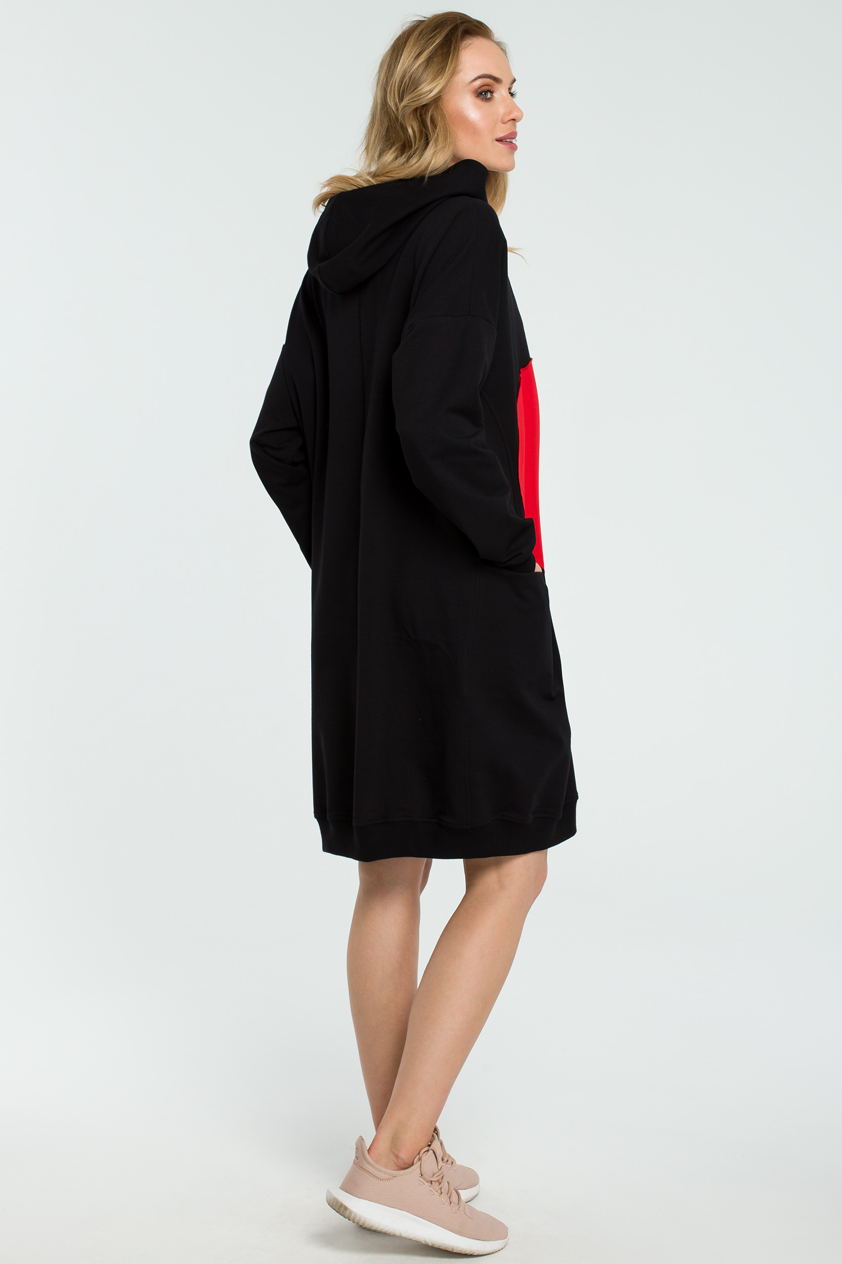 CM3801 Dresowa sukienka z sercem - czarna