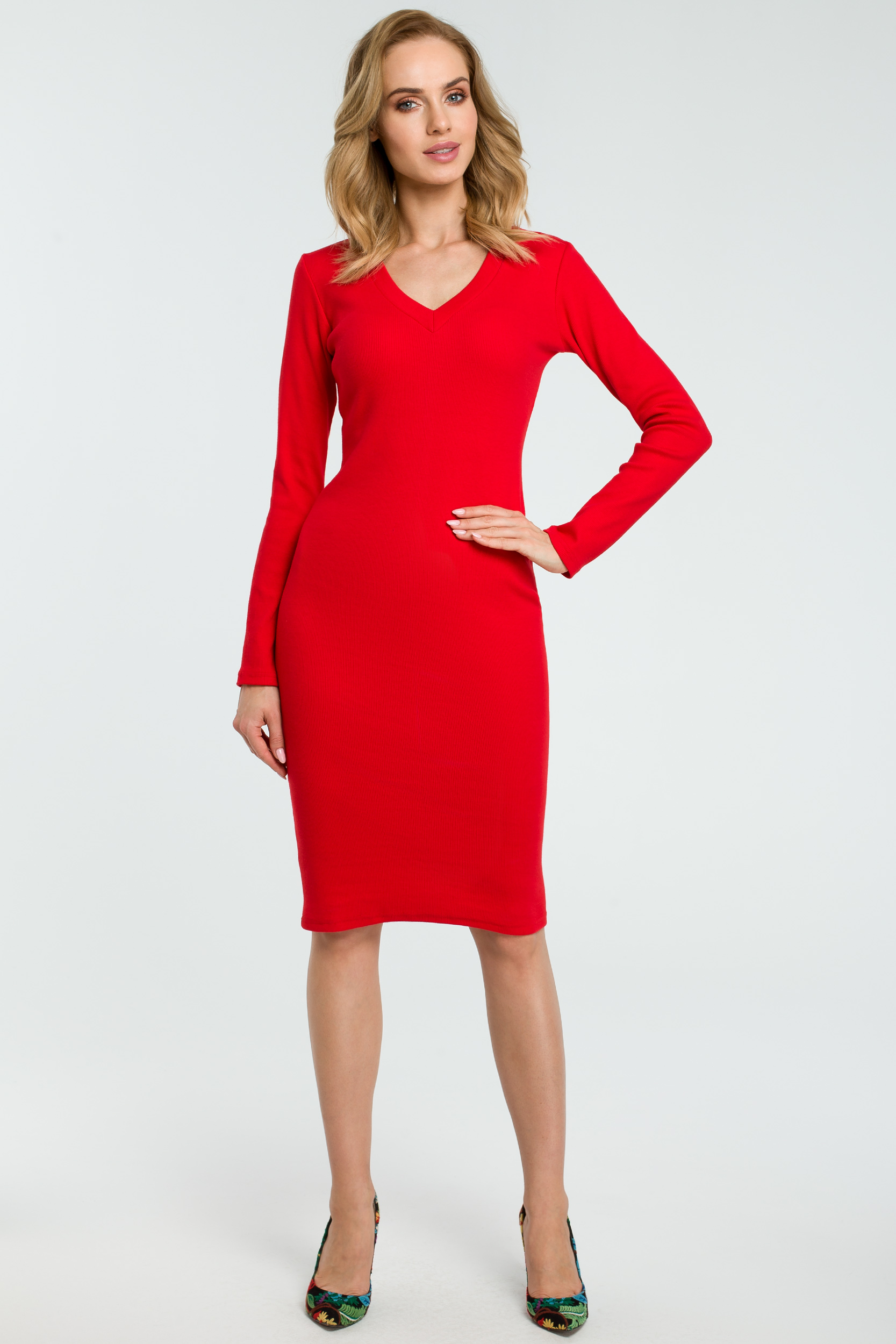 CM3807 Ołówkowa sukienka z dekoltem w serek - czerwona