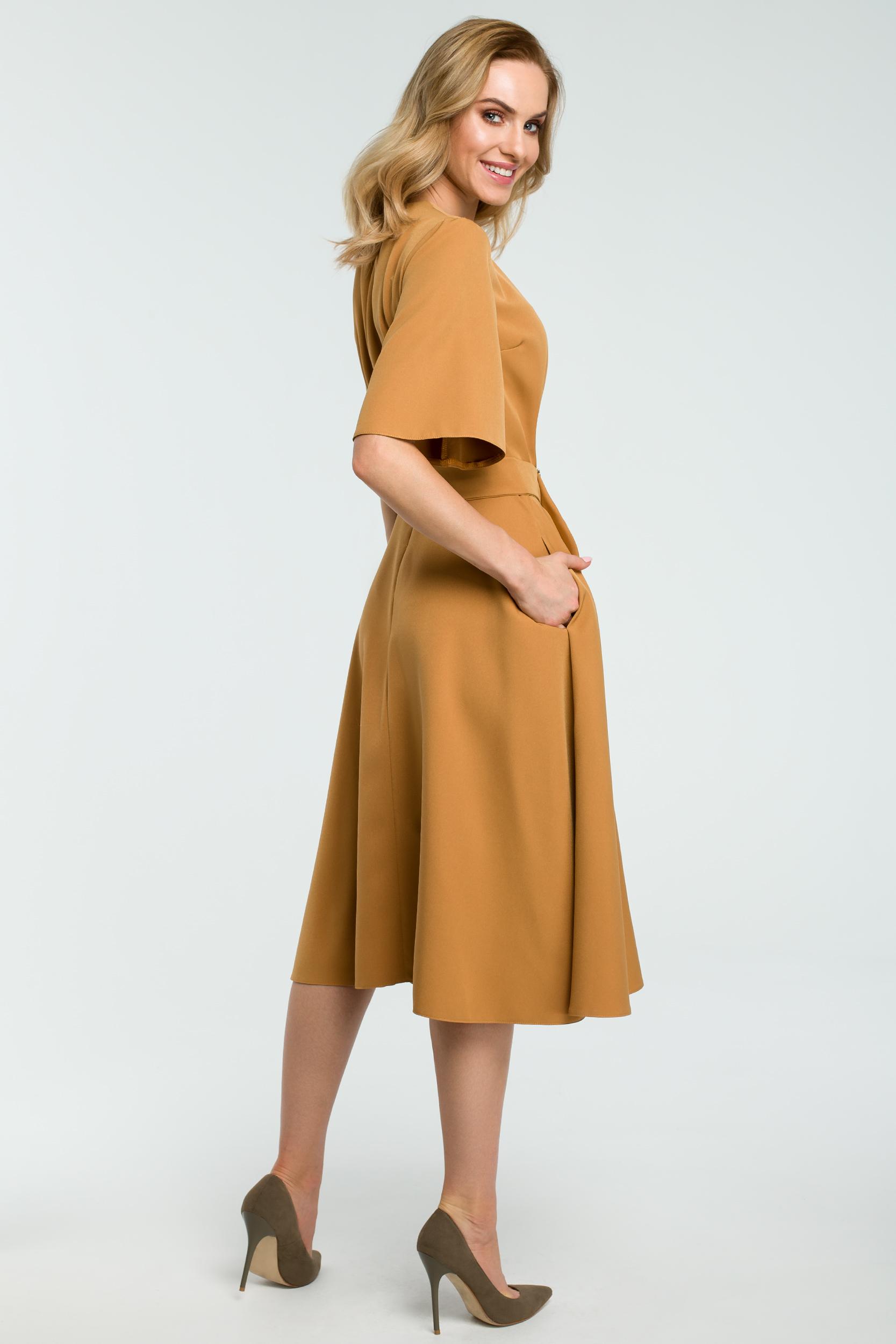 31f3078534 ... CM3810 Rozkloszowana sukienka z paskiem - cynamonowa