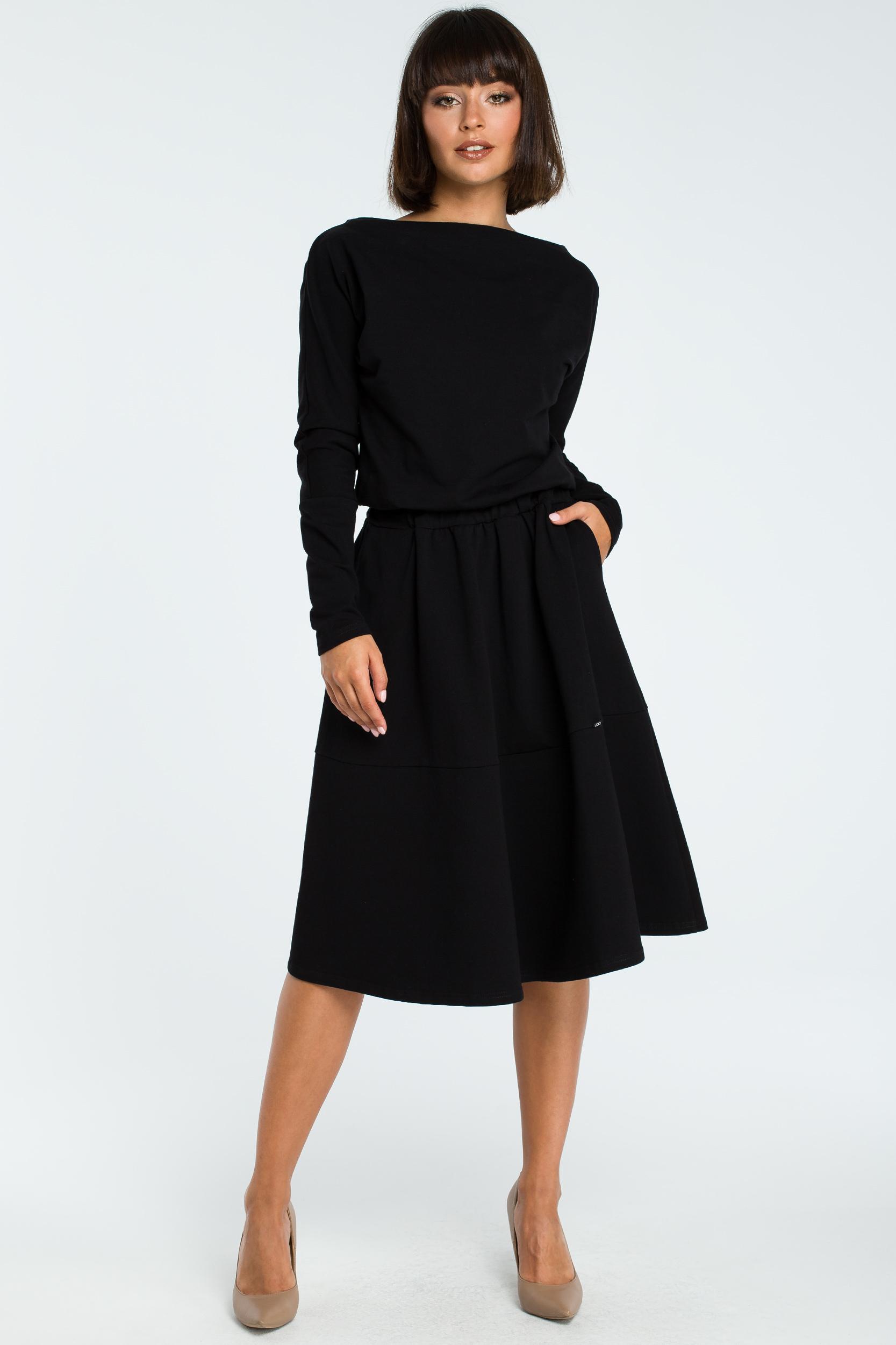 34506a35e0 CM3816 Rozkloszowana sukienka z długim rękawem - czarna ...