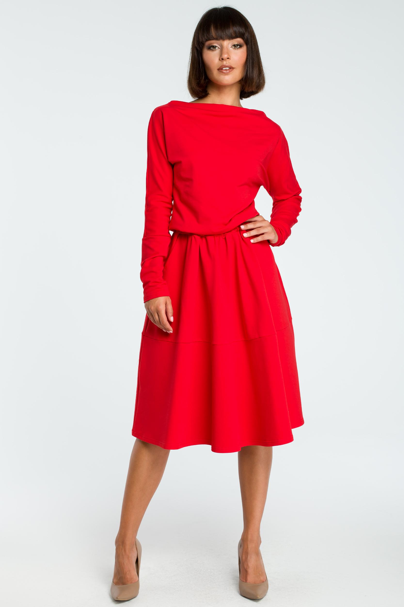 ed3416b1ef CM3816 Rozkloszowana sukienka z długim rękawem - czerwona ...