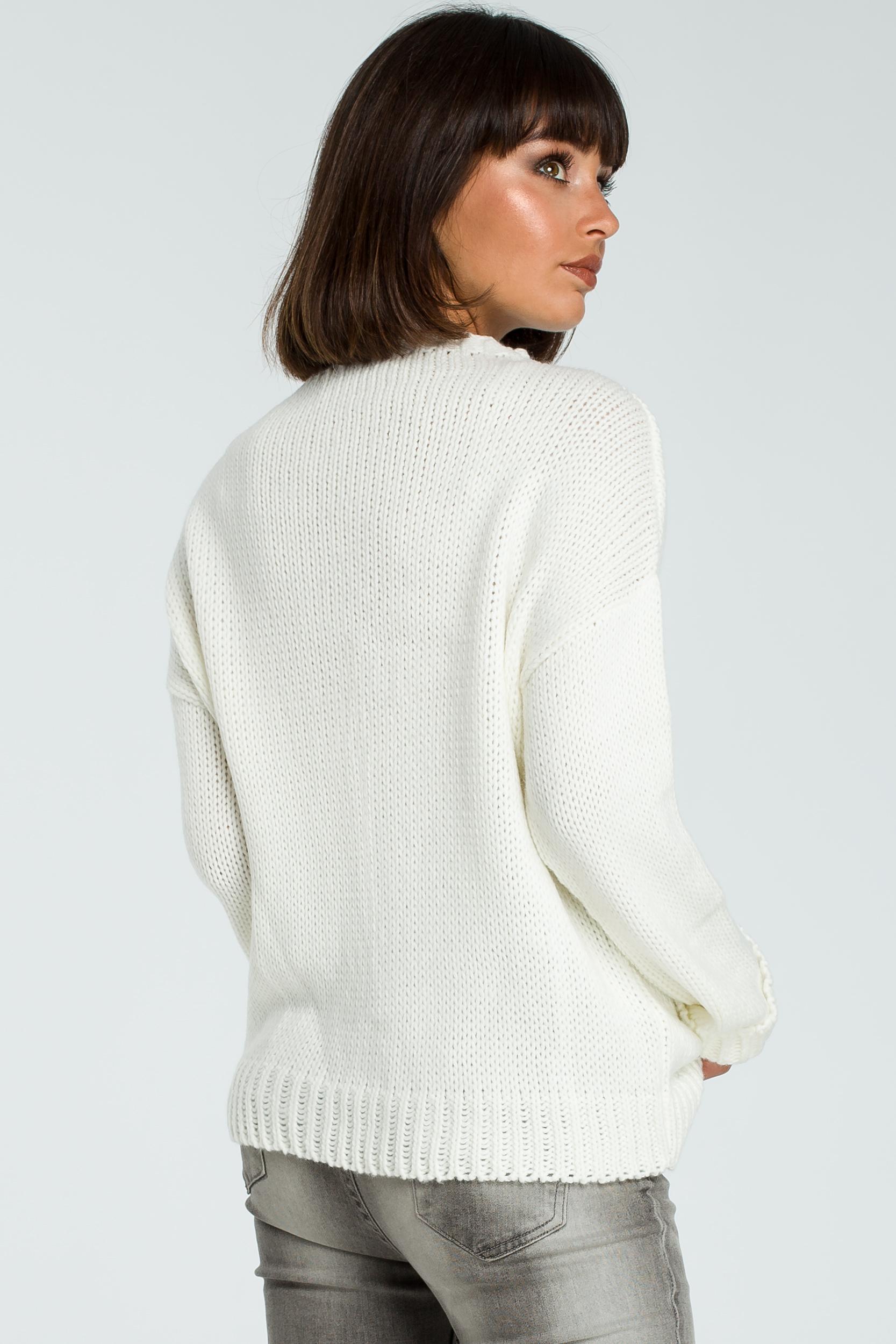 CM3824 Damski sweter z warkoczem - ecru