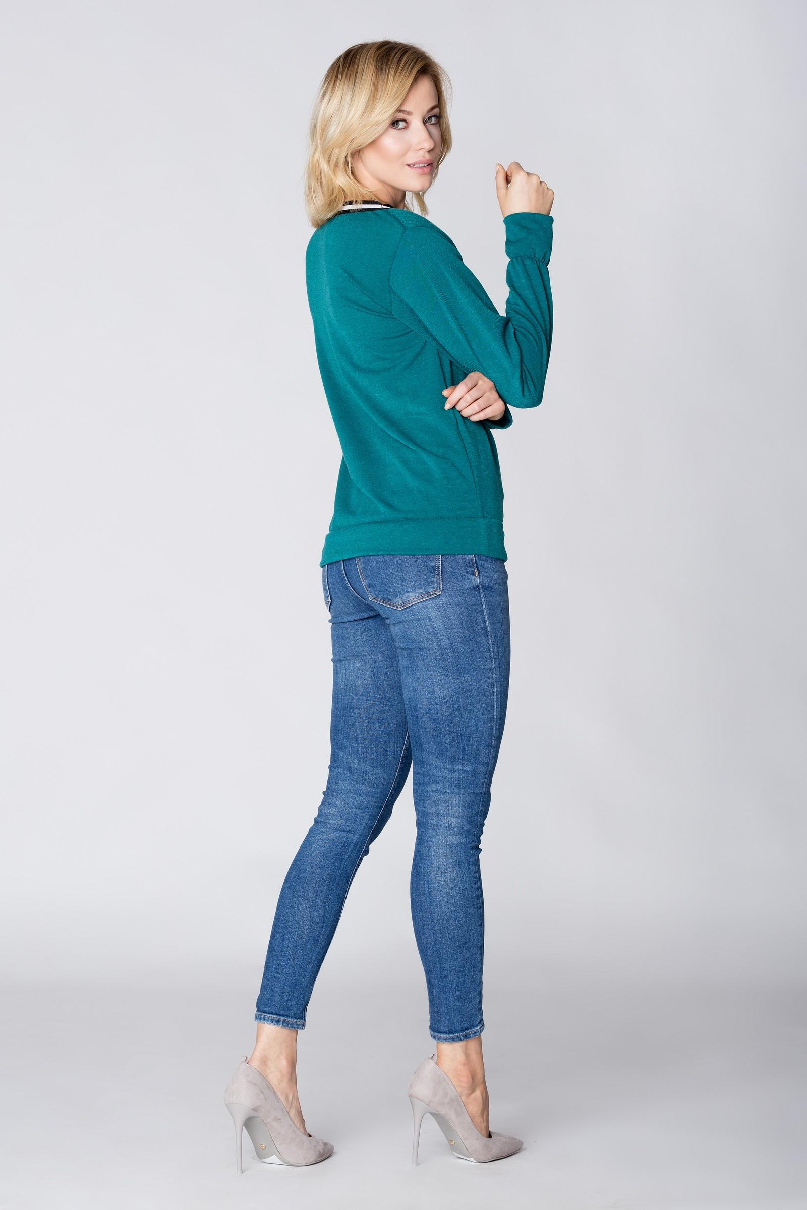 CM3896 Sweter z ozdobną taśmą przy dekolcie - zielony
