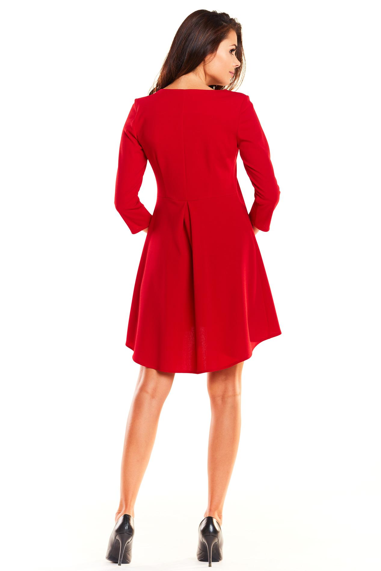 CM3926 Asymetryczna sukienka z rękawem 3/4 - czerwona