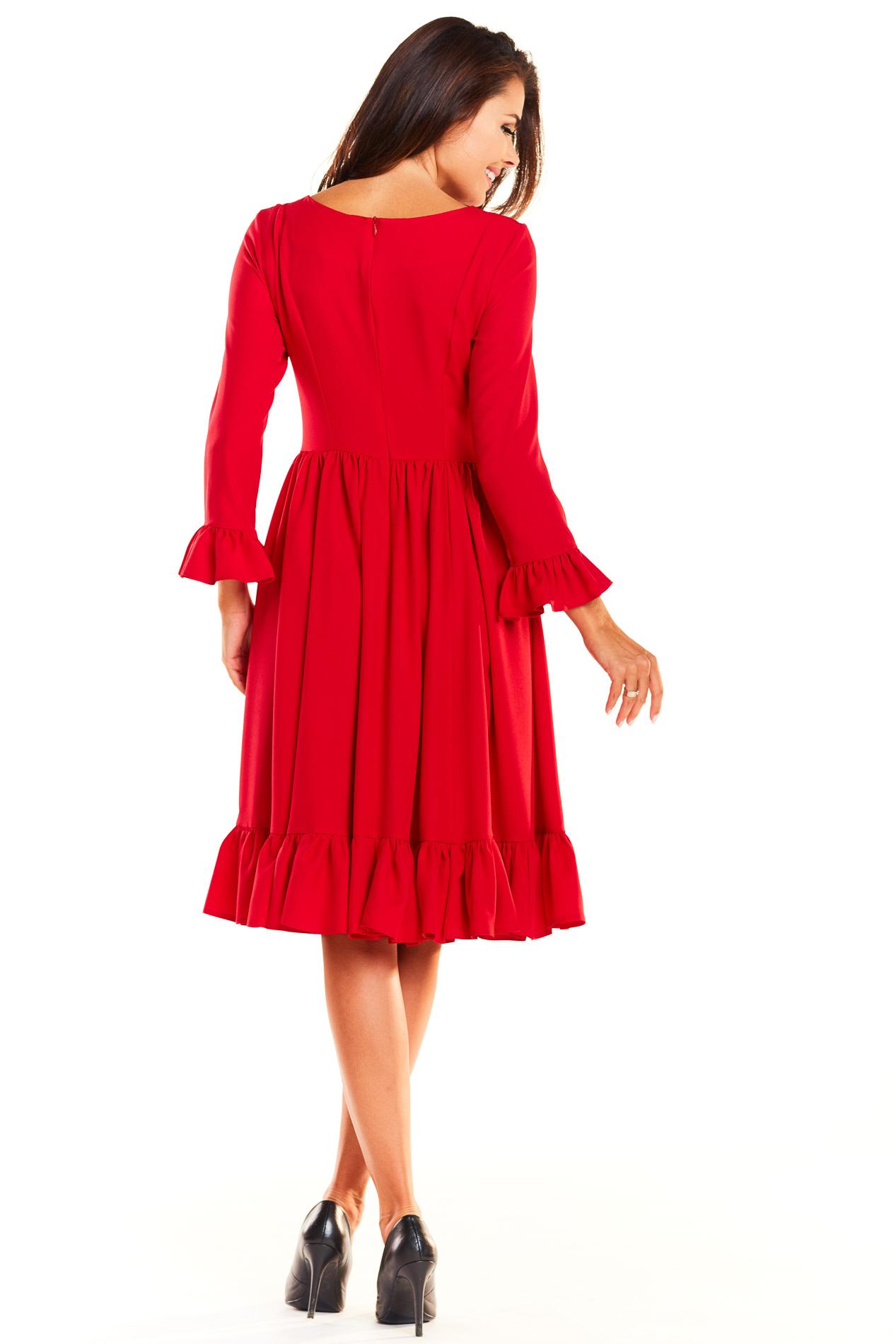 CM3929 Rozkloszowana sukienka z falbankami - czerwona