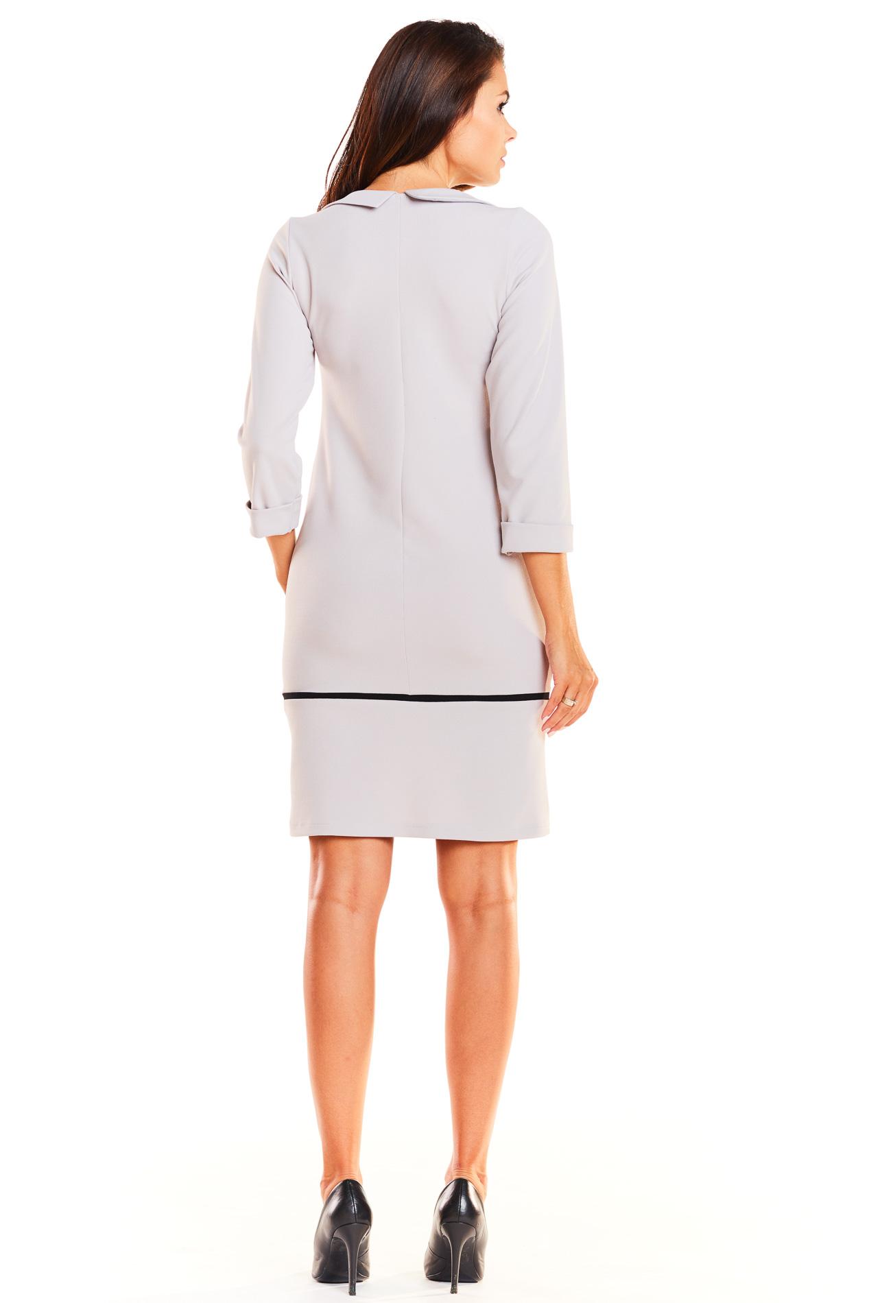 CM3932 Dopasowana sukienka mini z kołnierzykiem - szara