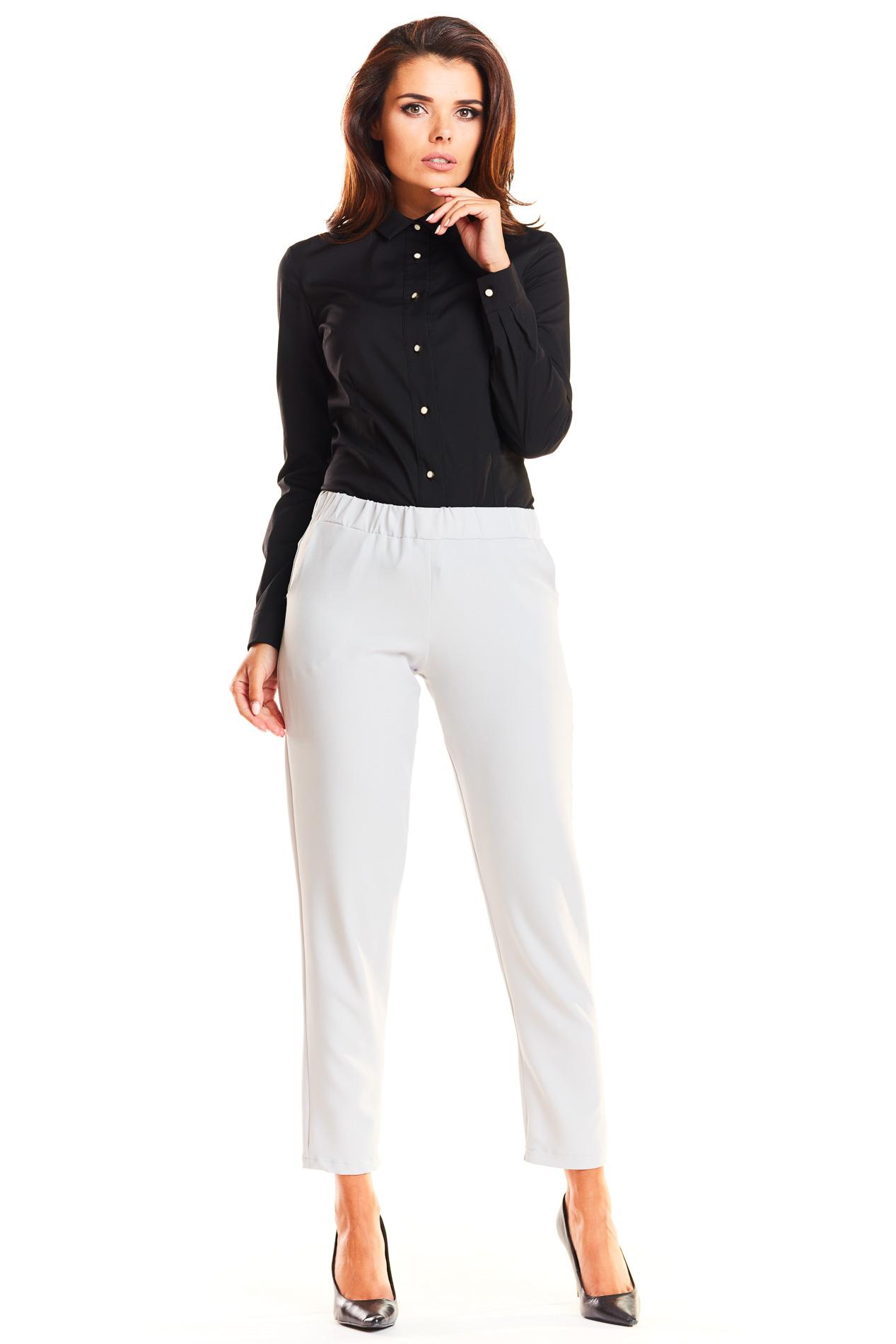 CM3939 Elegancka koszula biurowa z kołnierzykiem - czarna