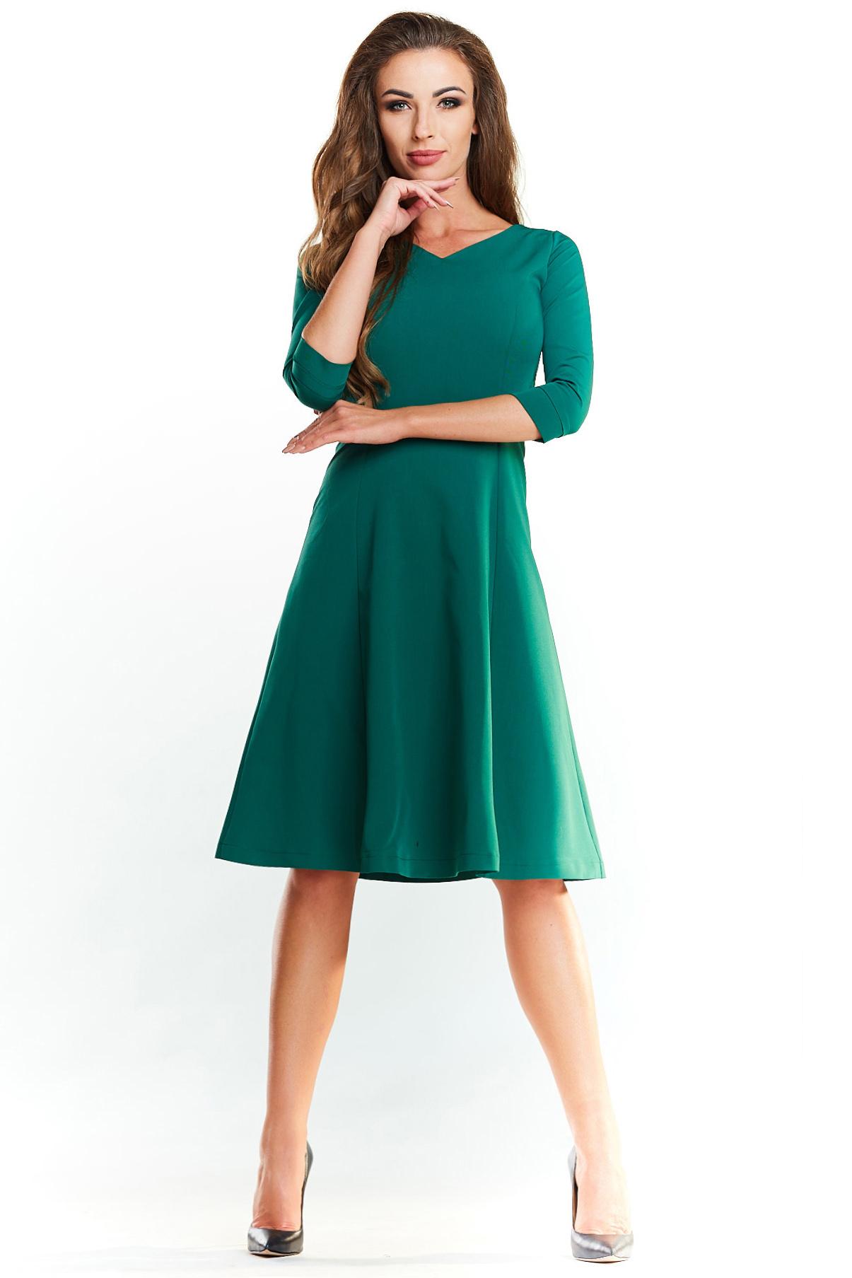 CM4024 Trapezowa sukienka delikatnie rozkloszowana - zielona