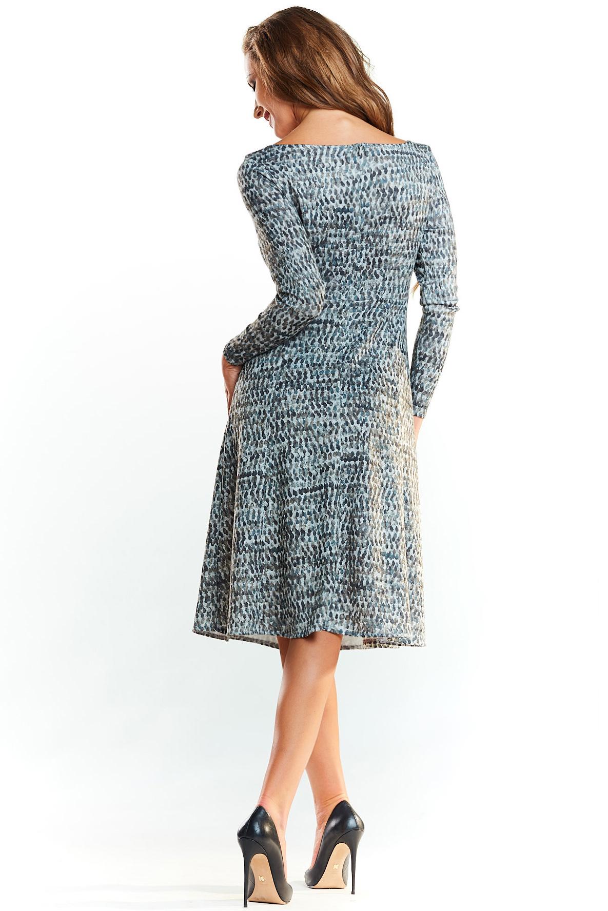 CM4037 Dzianinowa sukienka midi z długim rękawem - zielona