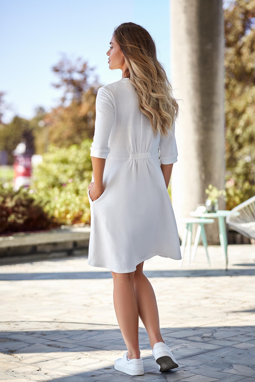 CM4013 Sukienka z głębokim dekoltem - ecru