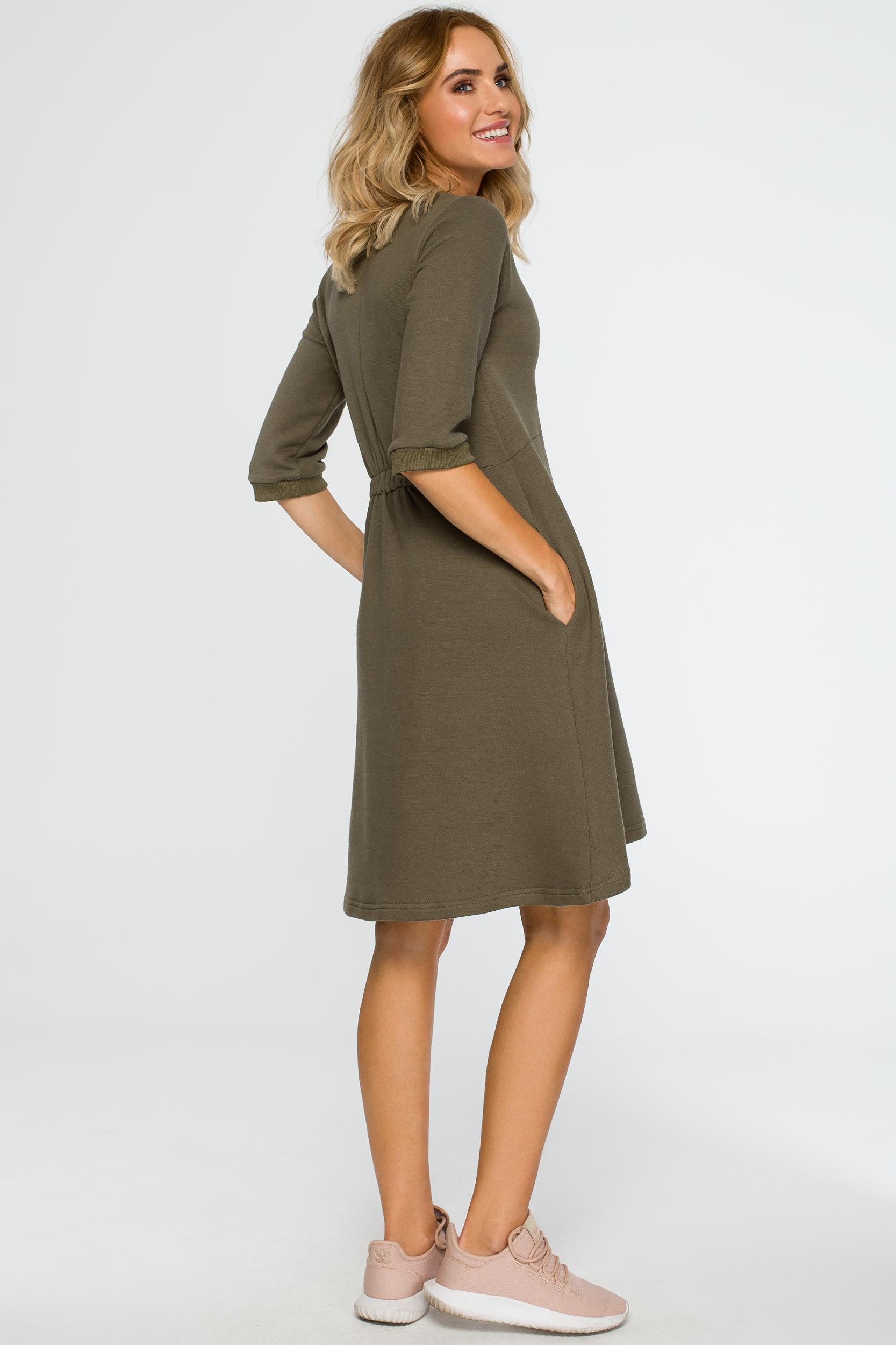 CM4013 Sukienka z głębokim dekoltem - khaki