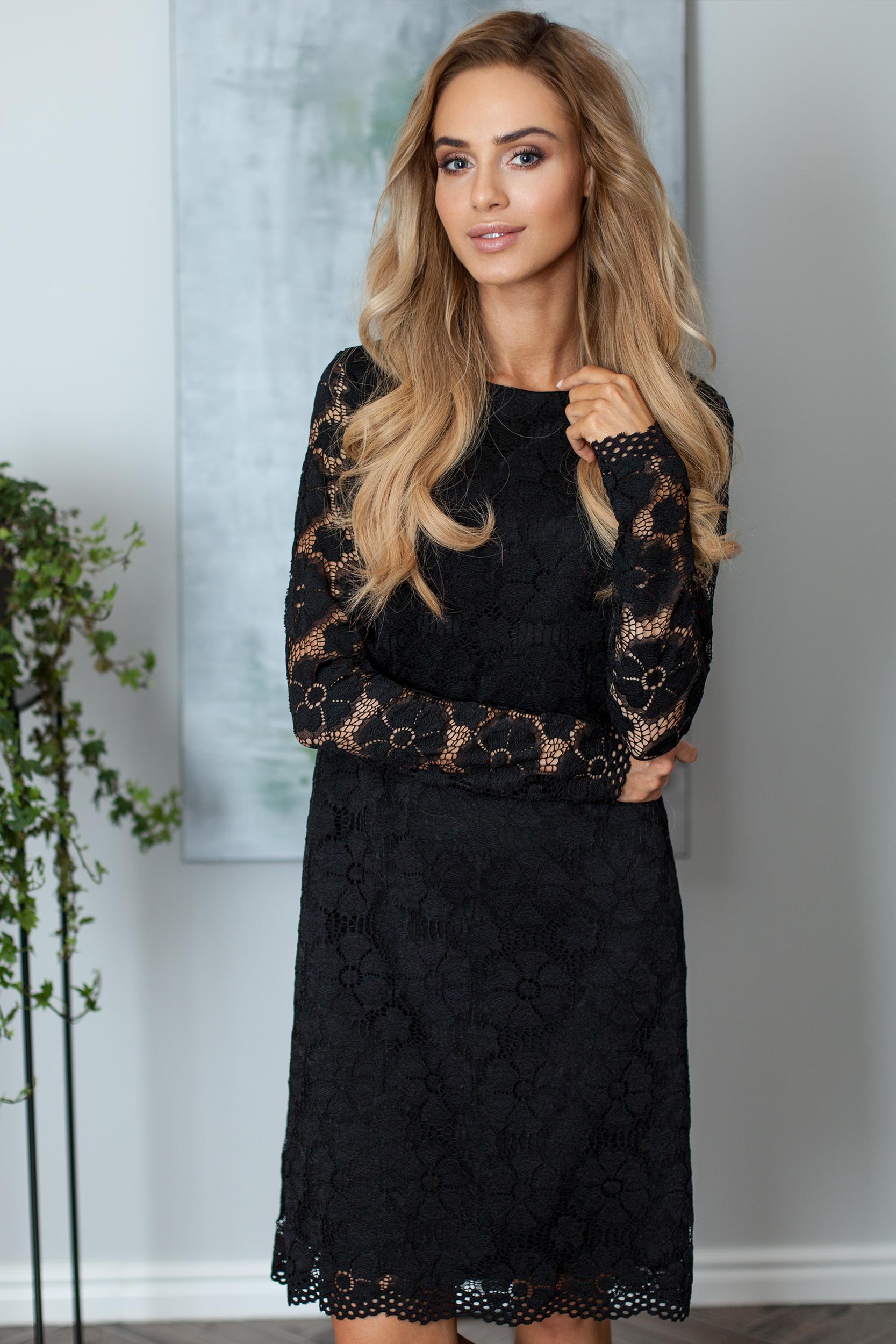 CM4016 Koronkowa sukienka trapezowa - czarna