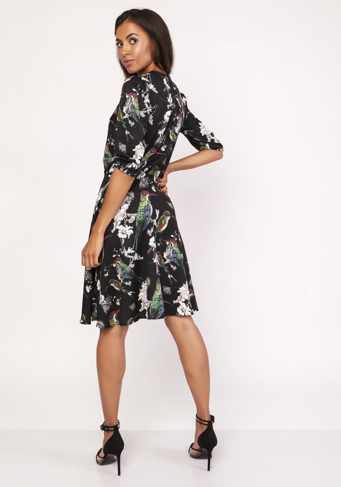 CM4067 Rozkloszowana sukienka z rękawem 3/4 - ptaki