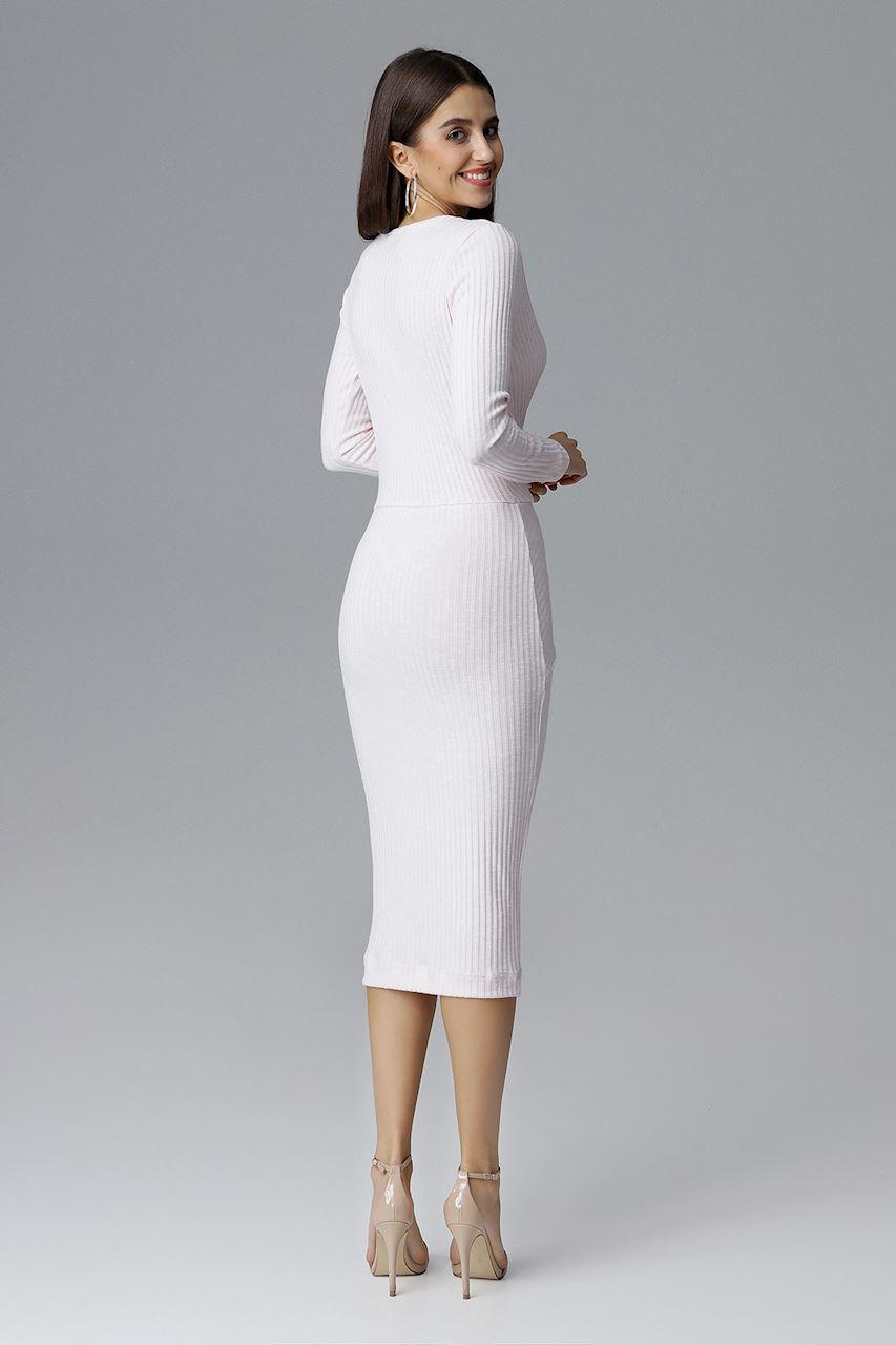 CM4087 Dopasowana sukienka z dekoltem w serek - różowa