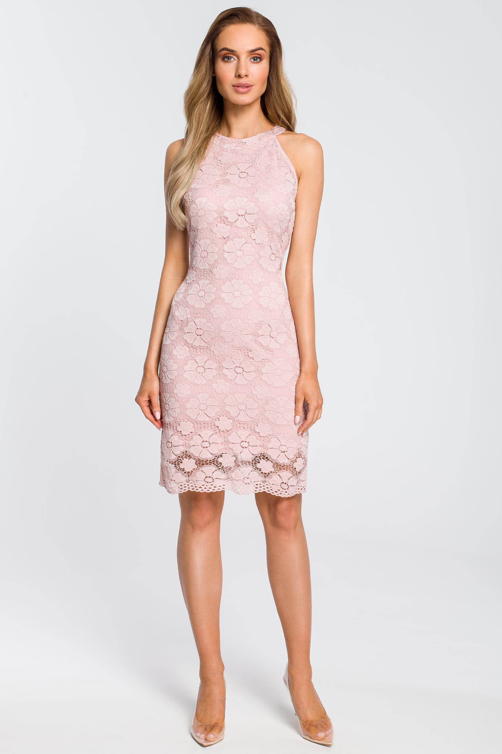 CM4112 Dopasowana sukienka koronkowa - różowa