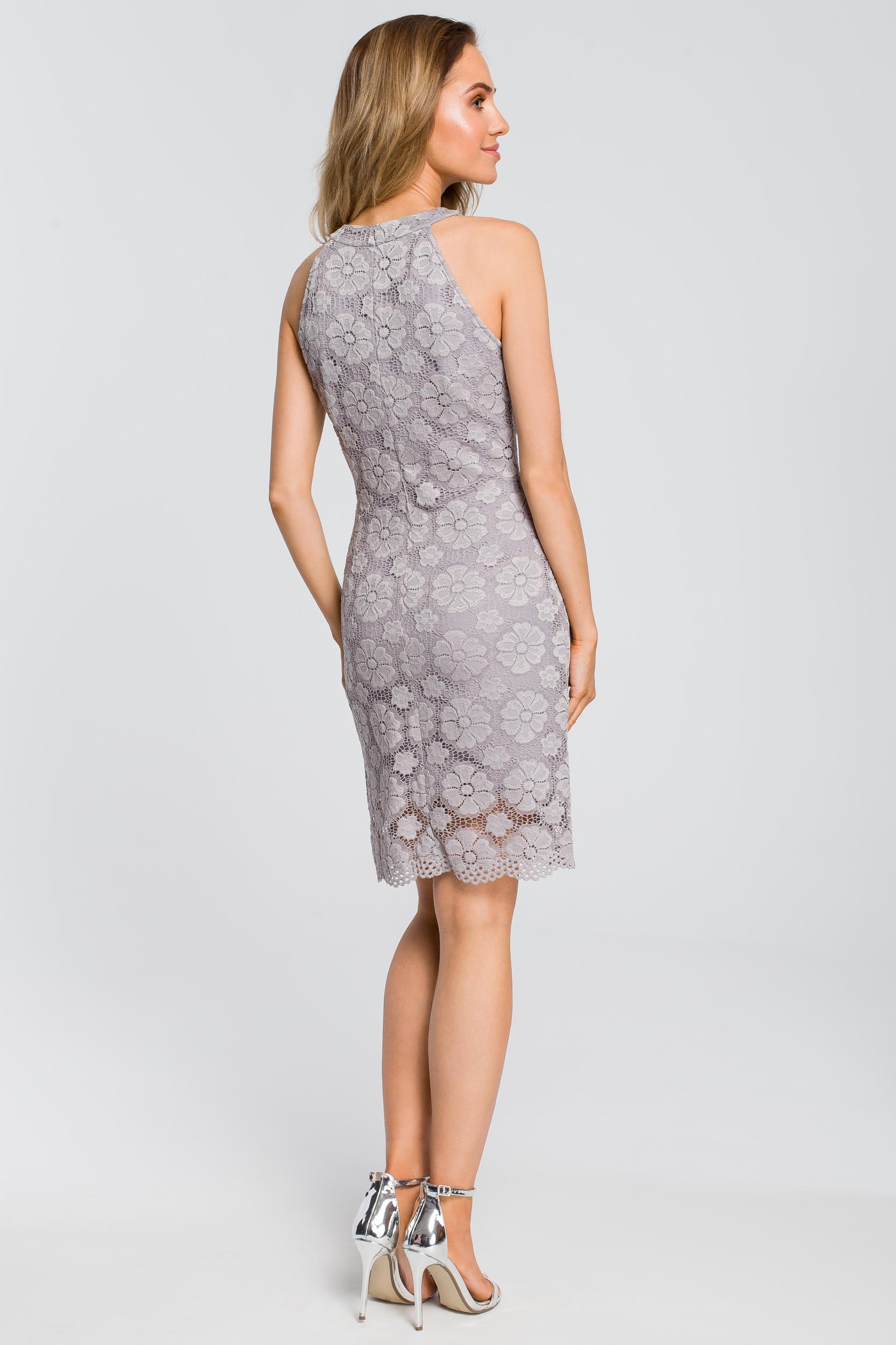 CM4112 Dopasowana sukienka koronkowa - szara