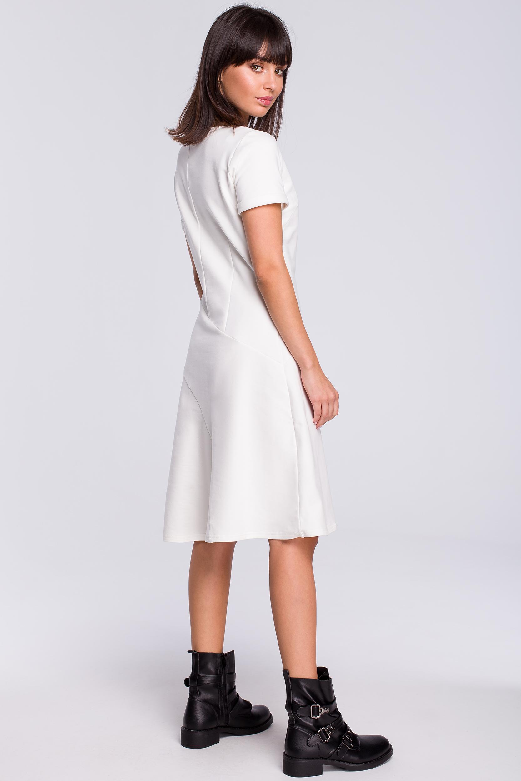 CM4119 Lekko rozkloszowana sukienka z godetem - ecru