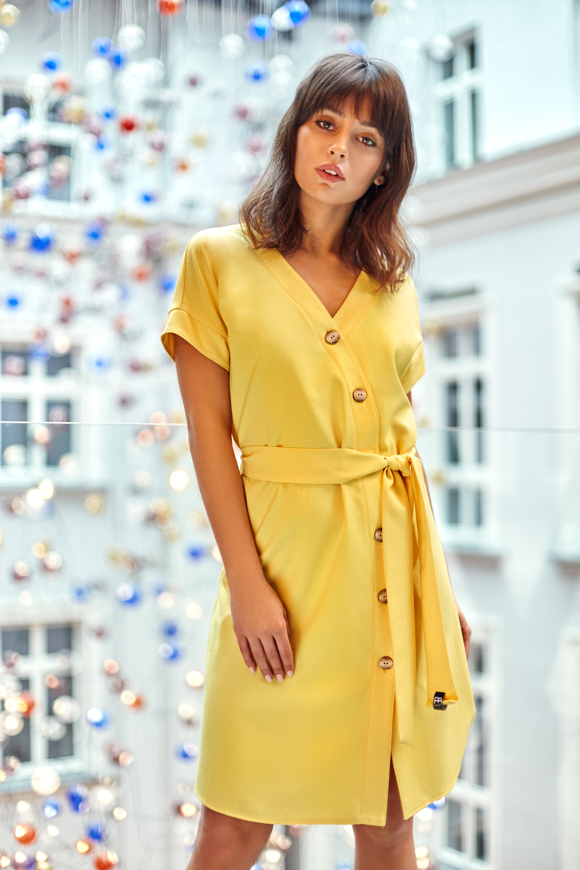 CM4125 Sukienka szmizjerka - żółta