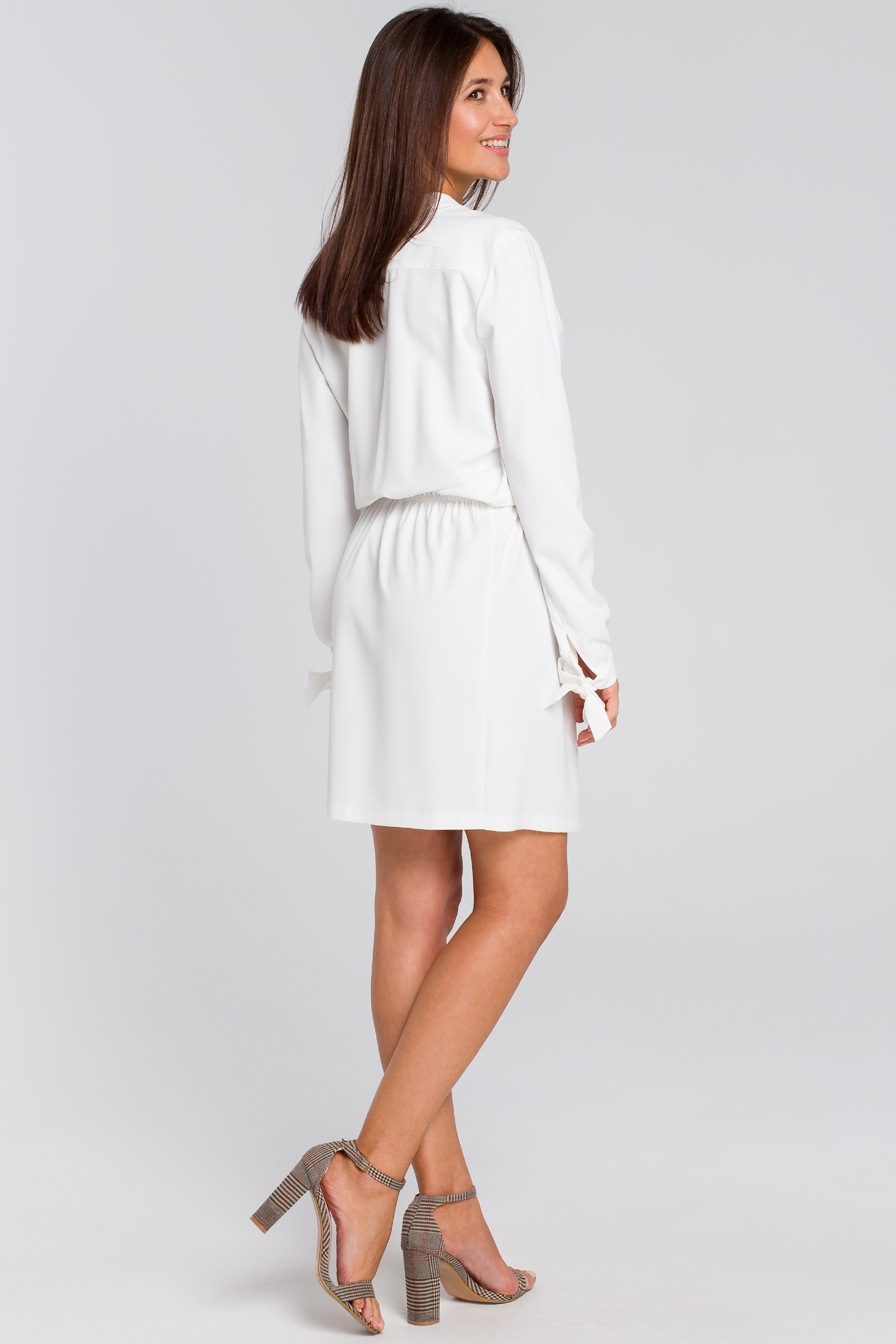 CM4135 Sukienka z wiązanym dekoltem - ecru