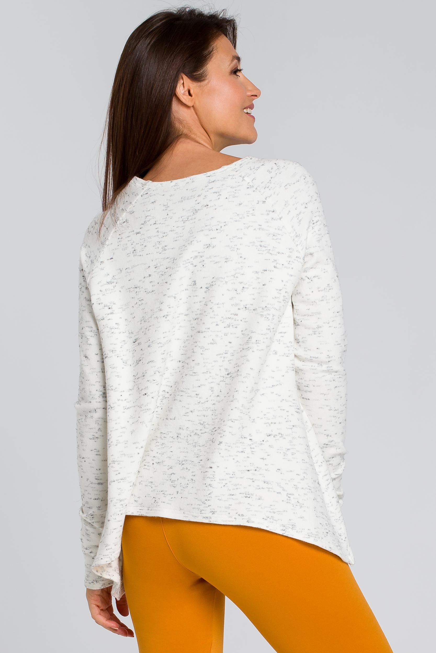 CM4137 Luźny asymetryczny sweter - ecru
