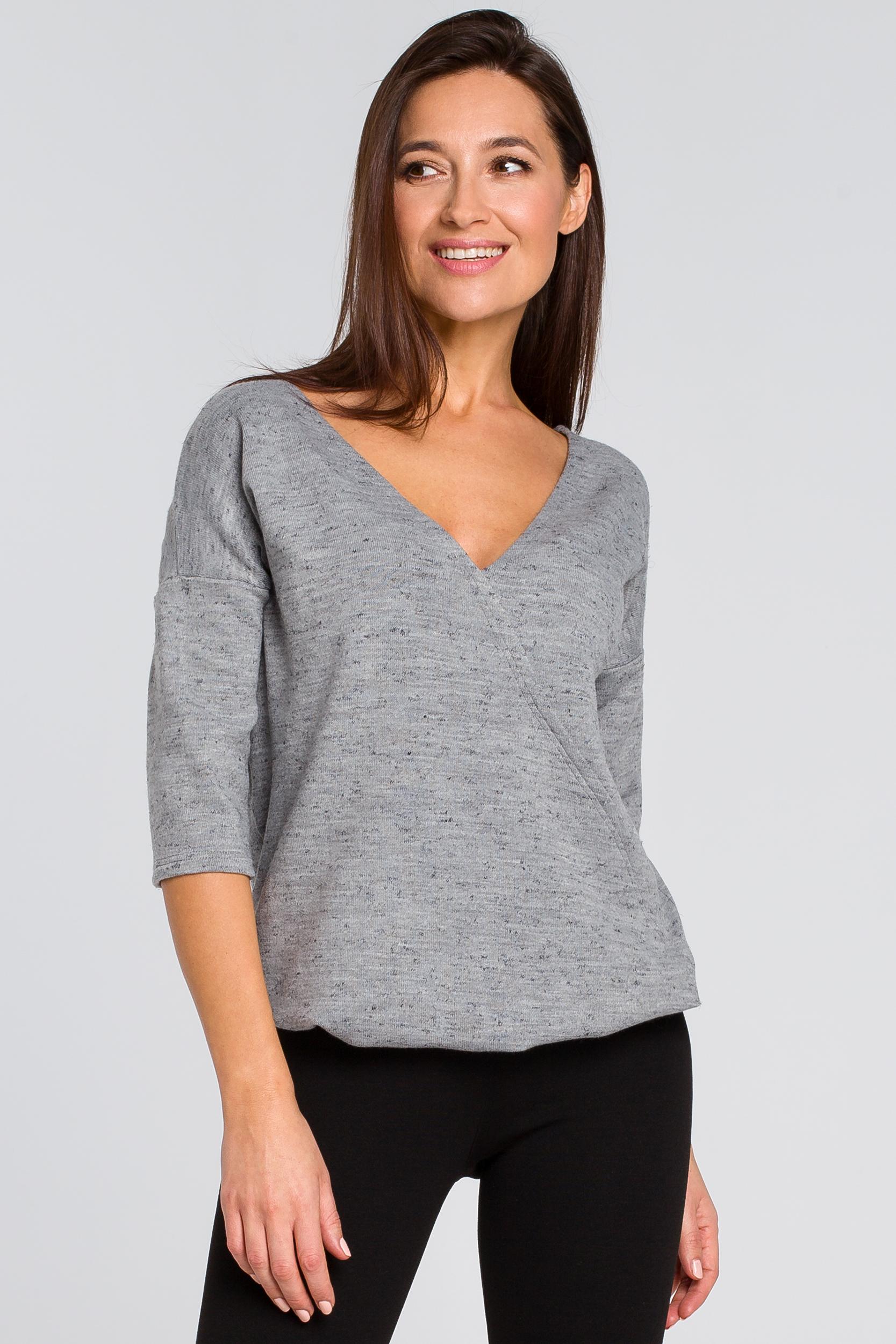 CM4138 Dzianinowy sweter z głębokim dekoltem - szary