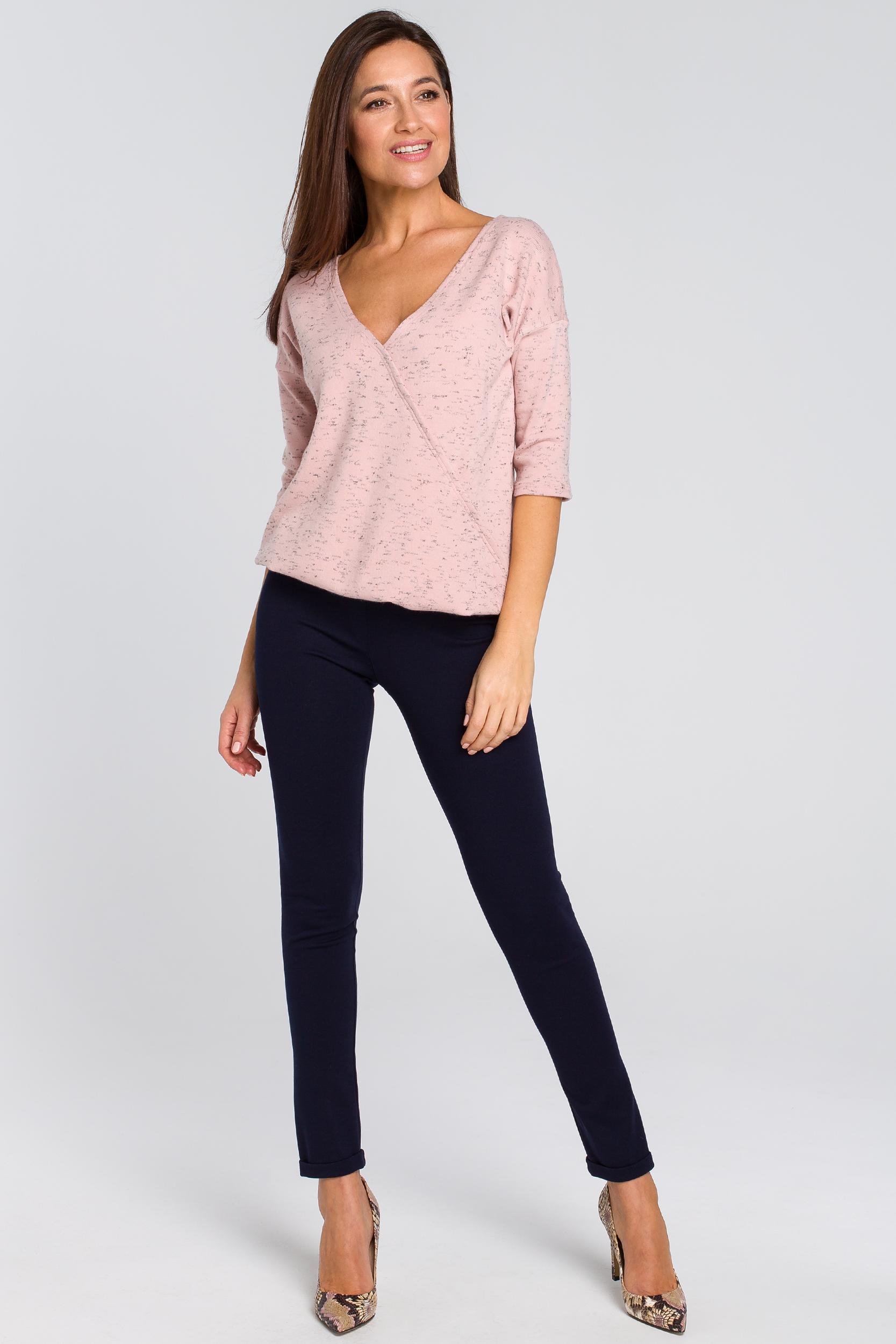 CM4138 Dzianinowy sweter z głębokim dekoltem - różowy