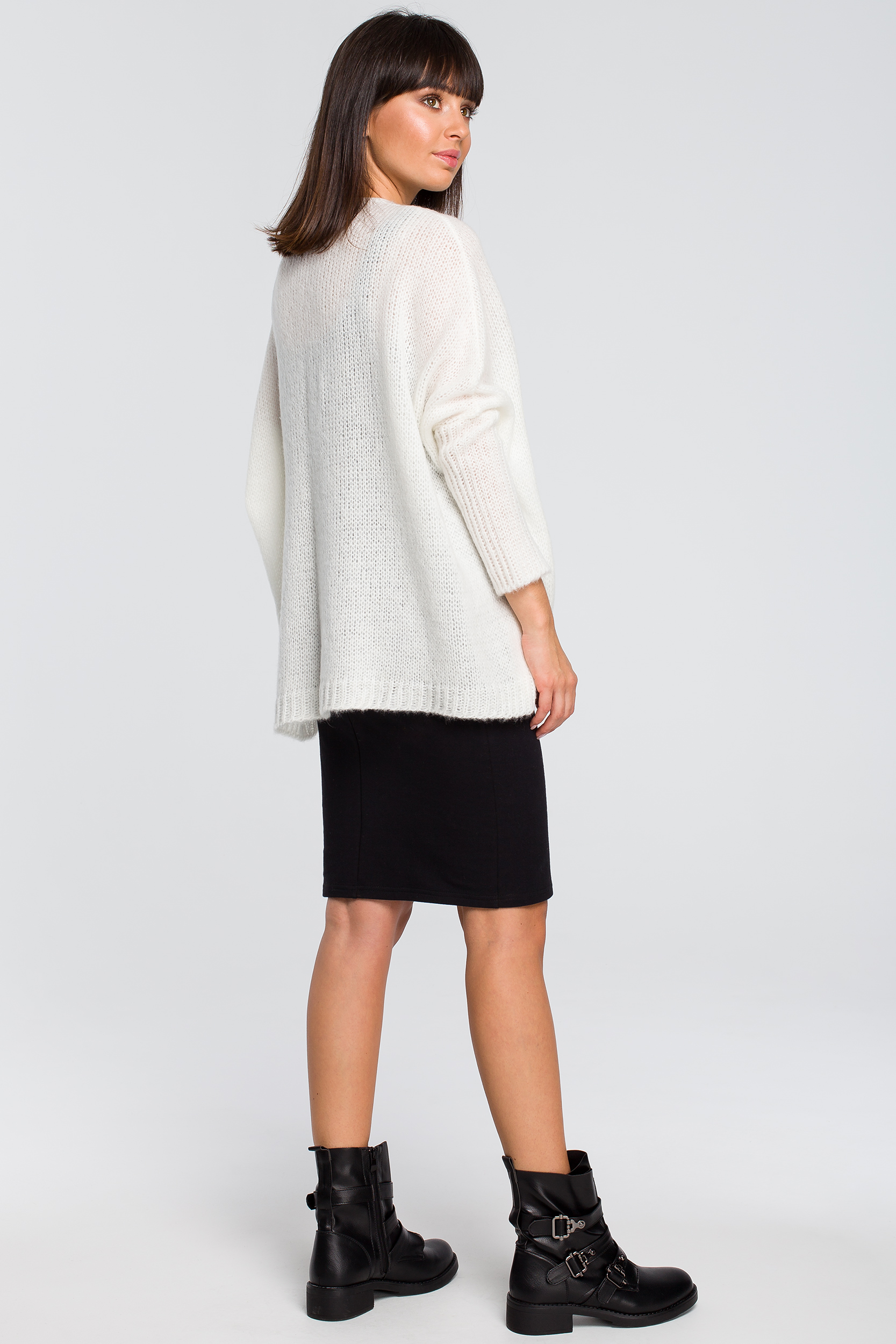 CM4145 Luźny sweter z kieszenią - ecru