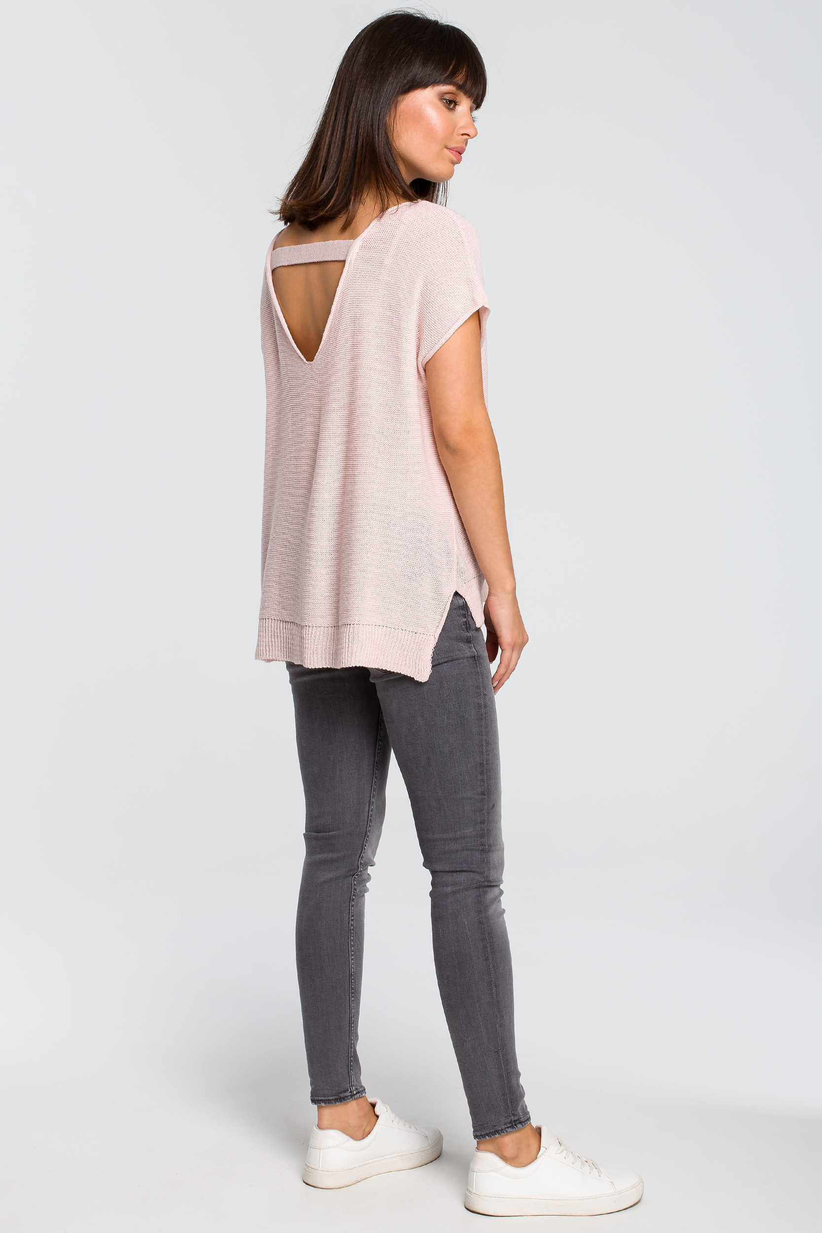 CM4148 Sweter z dekoltem na plecach - różowy