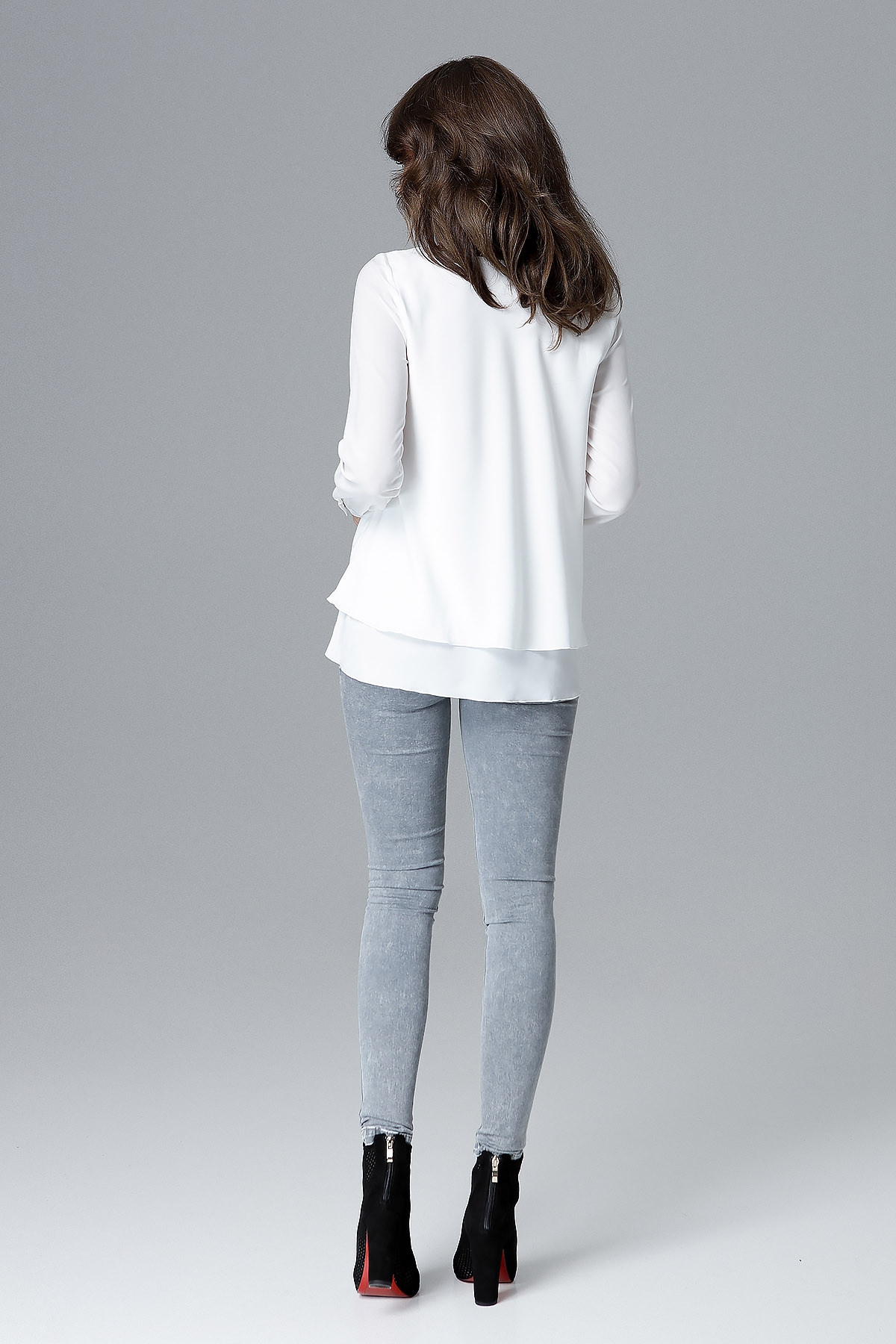 CM4157 Luźna bluzka damska z falbanką - ecru