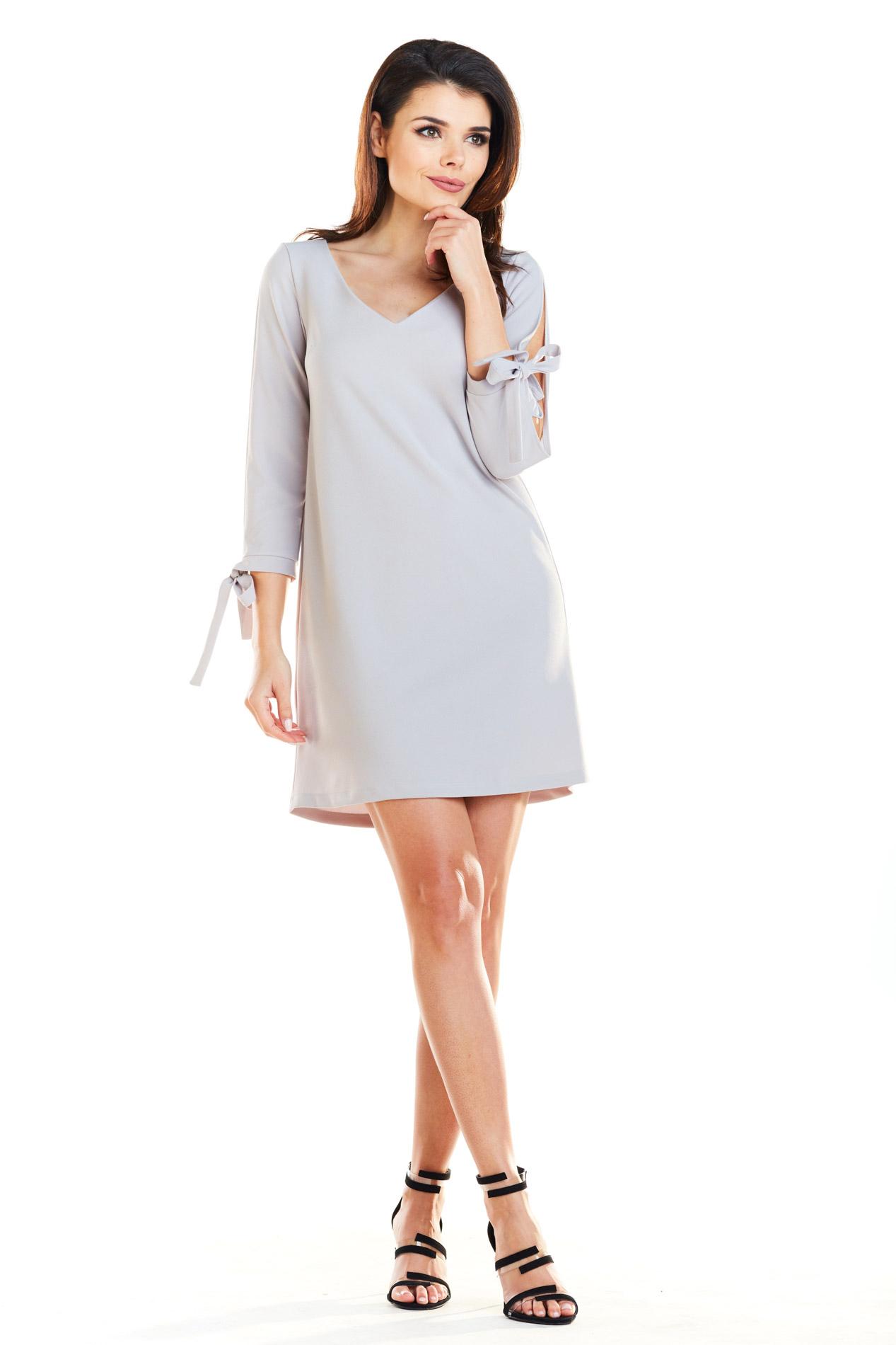 CM4168 Trapezowa sukienka z wiązanymi rękawami - szara