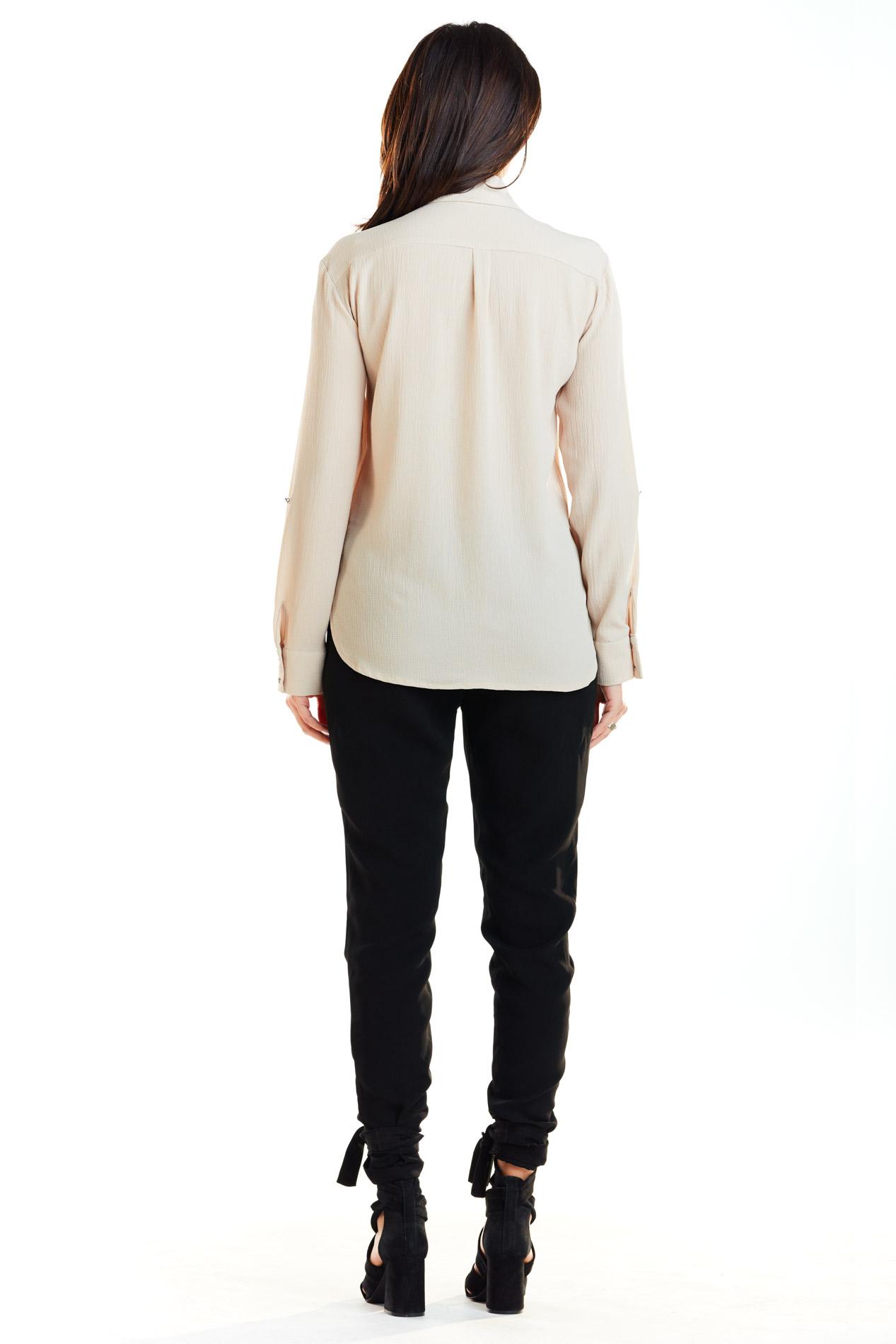 CM4171 Klasyczna zapinana koszula - beżowa