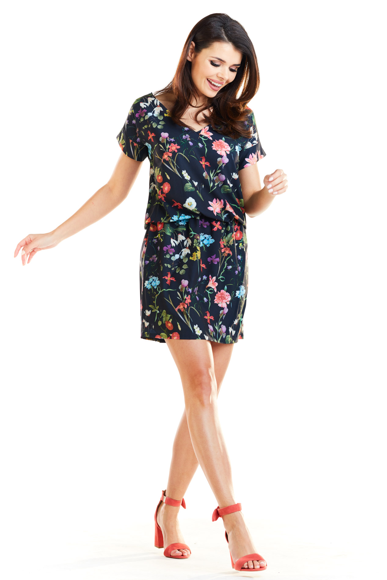 CM4175 Sukienka mini na wiosnę - kwiaty-granatowa