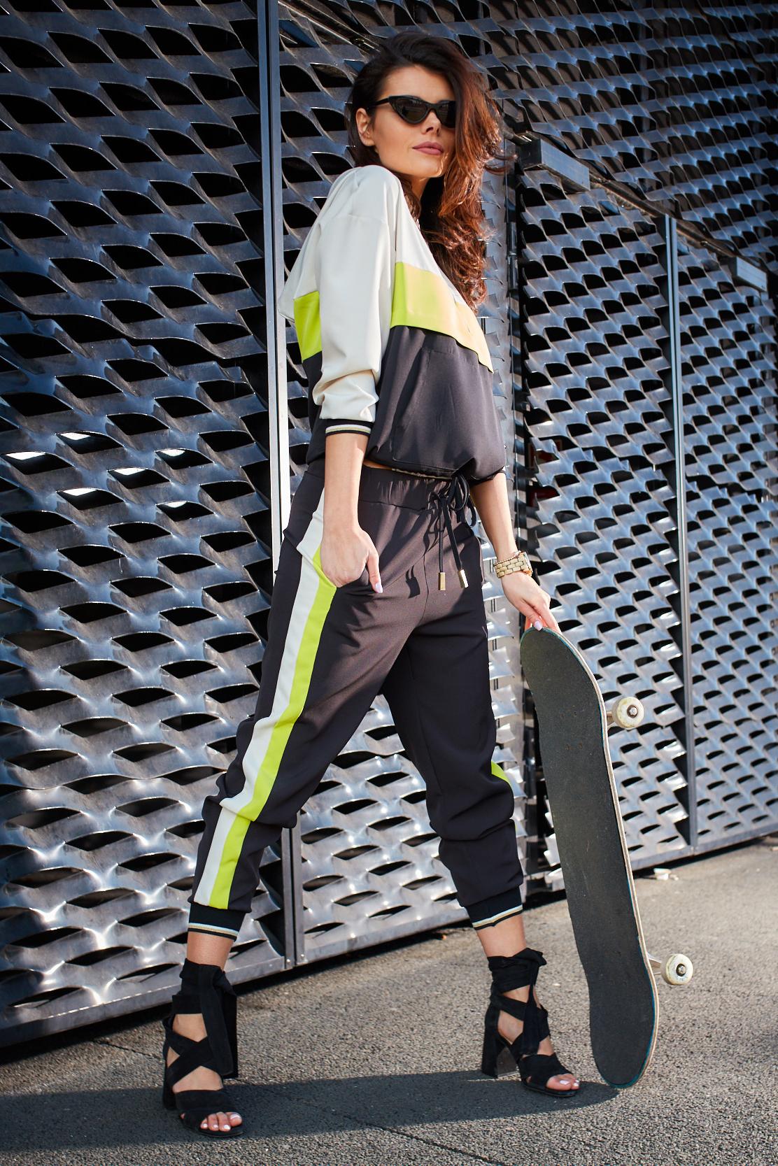 CM4176 Sportowa bluza z kapturem - limonkowa