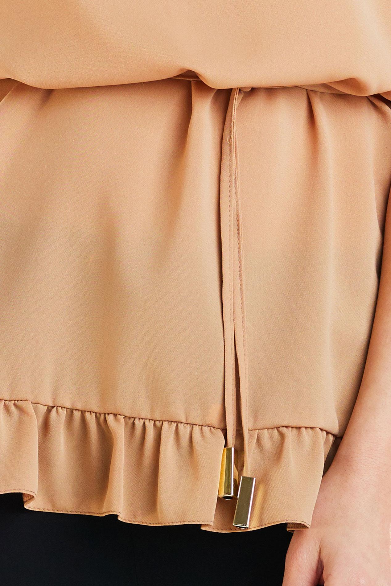 CM4180 Kobieca bluzka z krótkim rękawem - kamelowa