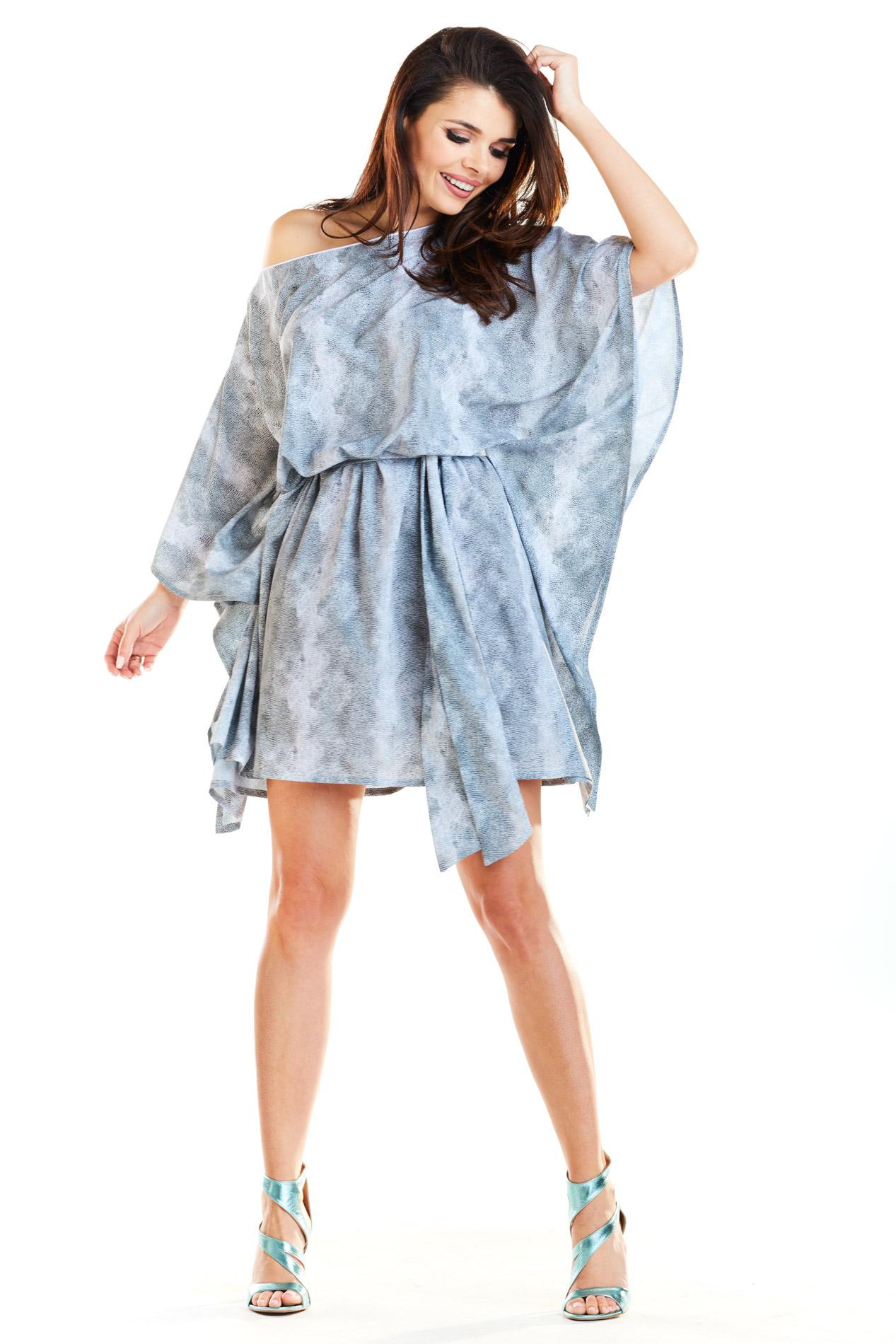 CM4185 Zwiewna nowoczesna sukienka - szara